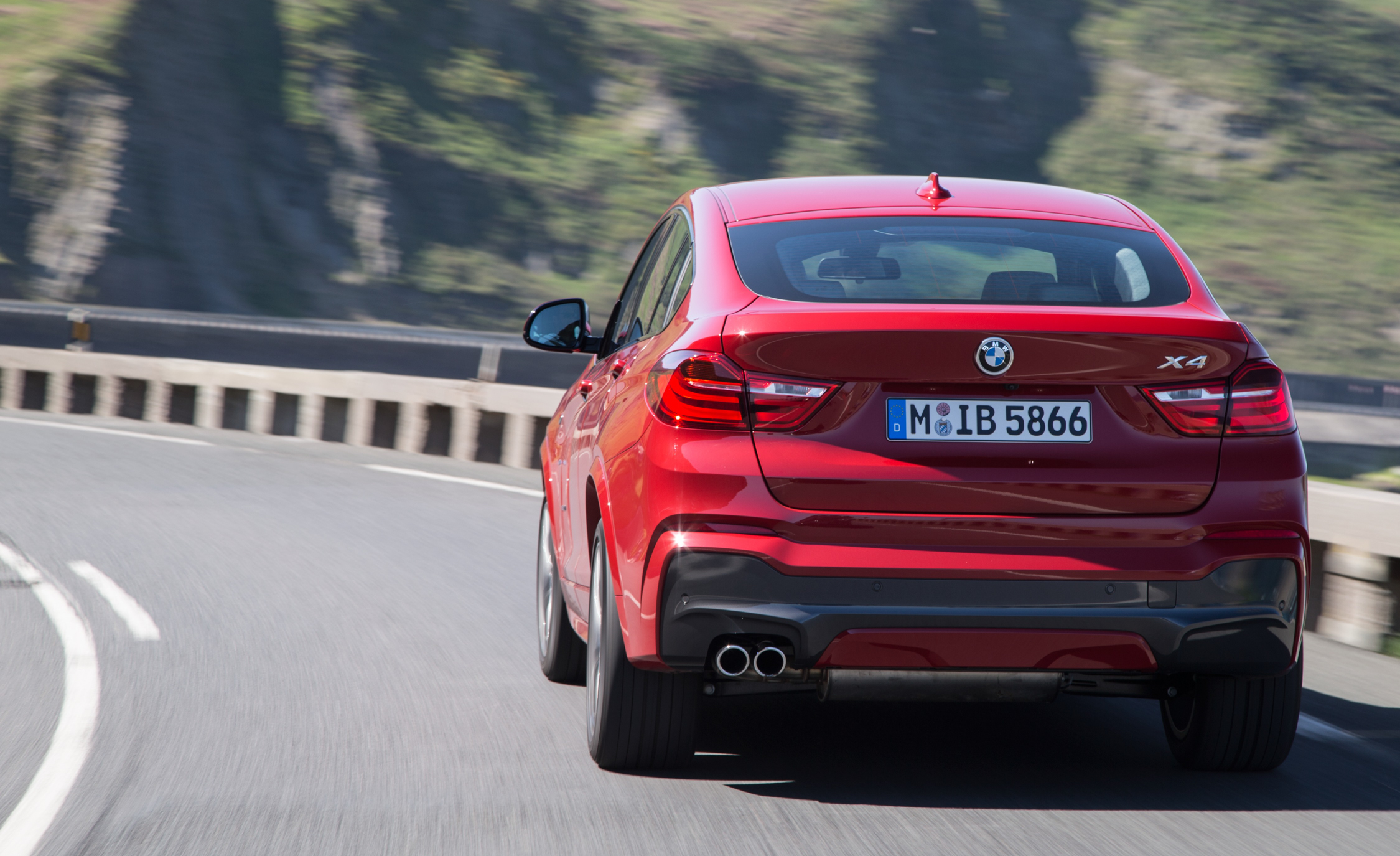 2015 BMW X4 XDrive35i (Photo 8 of 14)