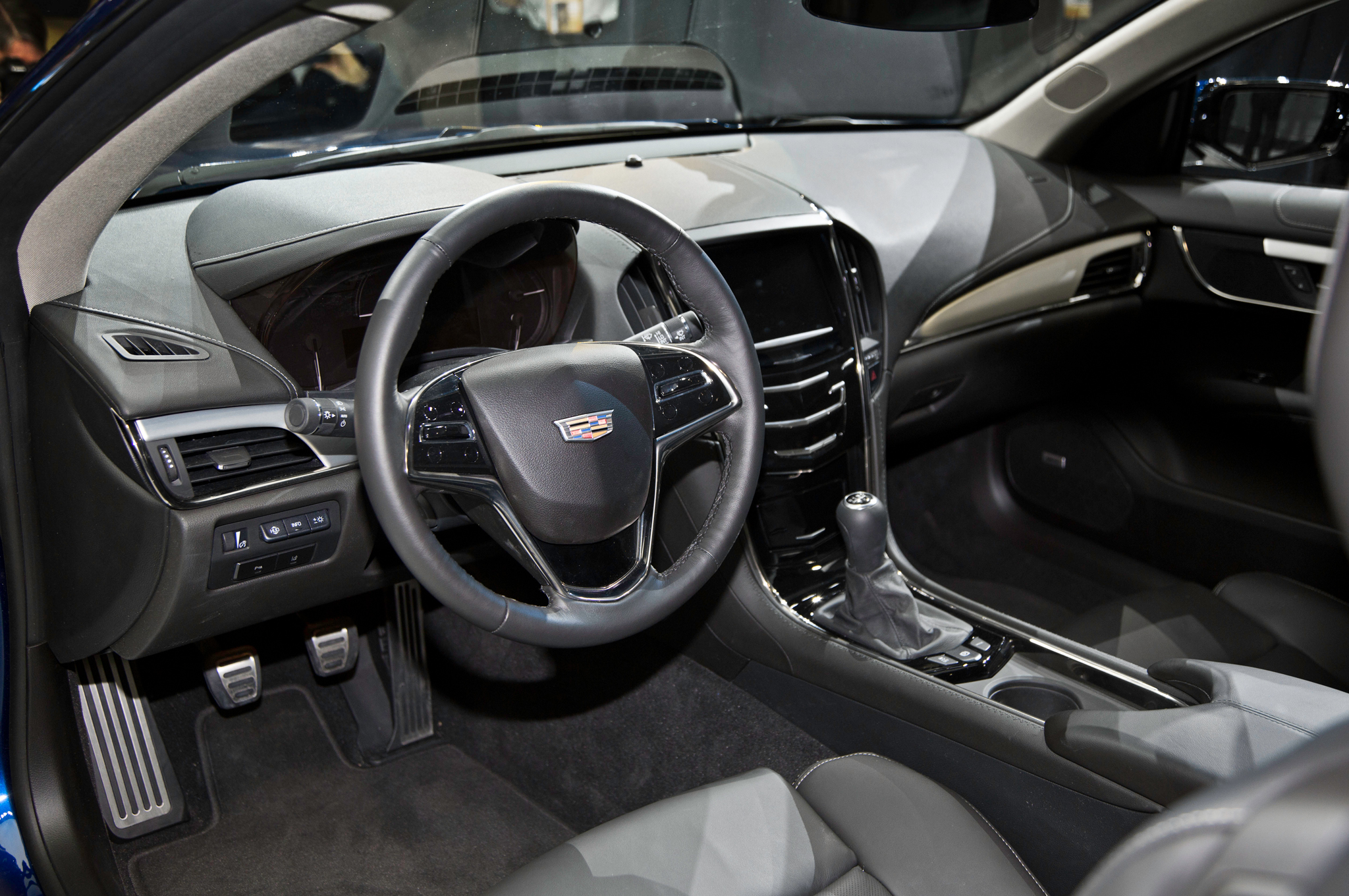 2015 Cadillac Ats Coupe Dashboard And Cockpit (View 15 of 21)