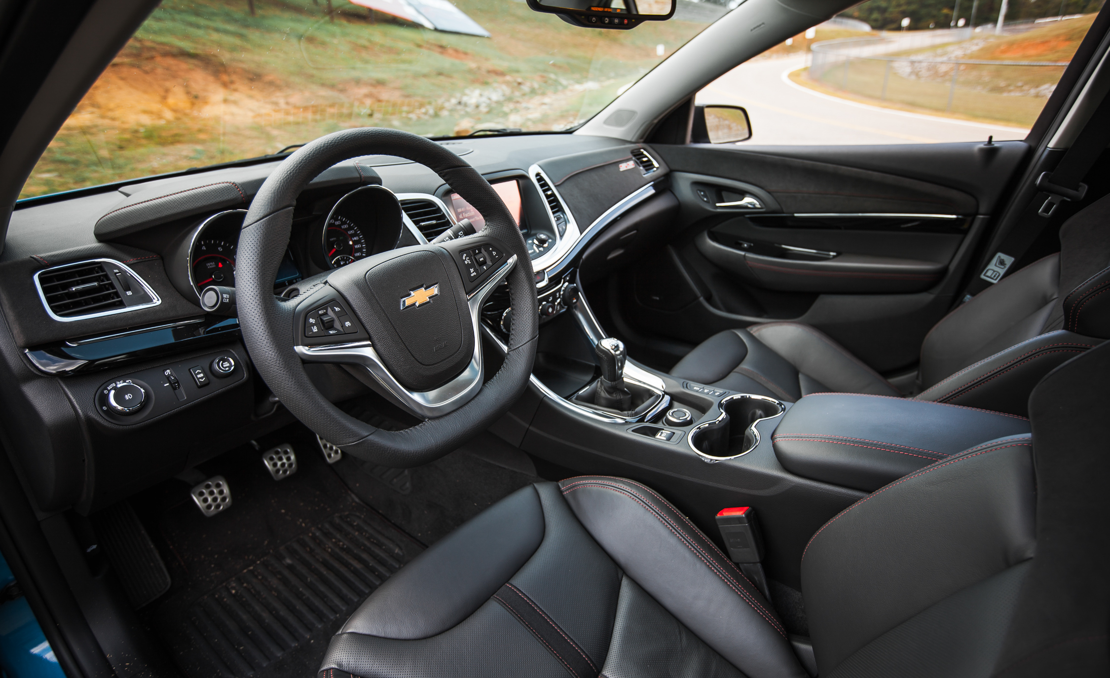 2015 chevrolet ss photo 8 of 27