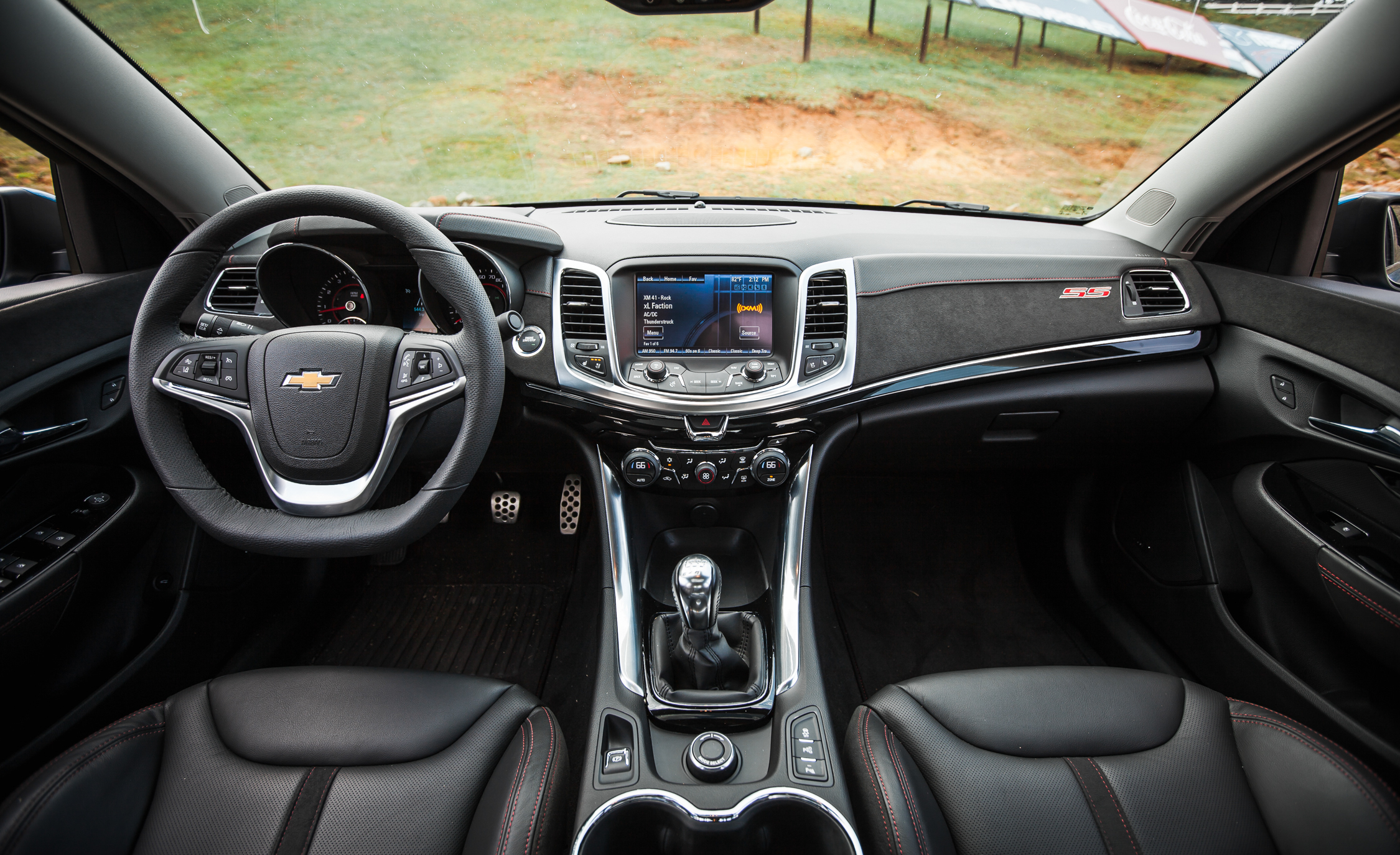 2015 Chevrolet SS (Photo 13 of 27)