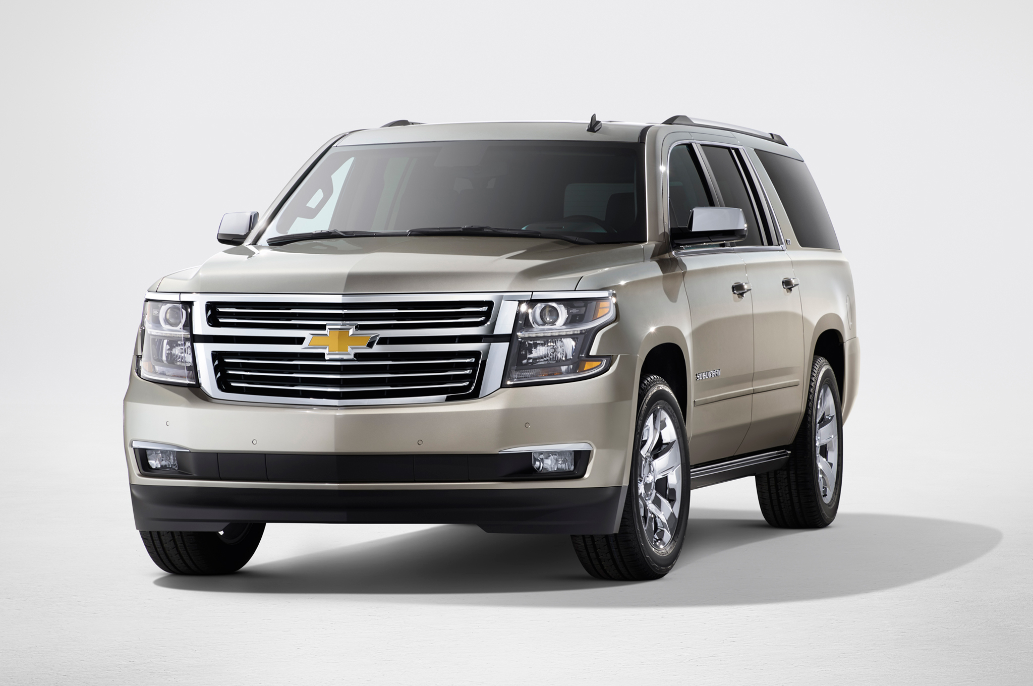 2015 Chevrolet Suburban Exterior (Photo 29 of 33)