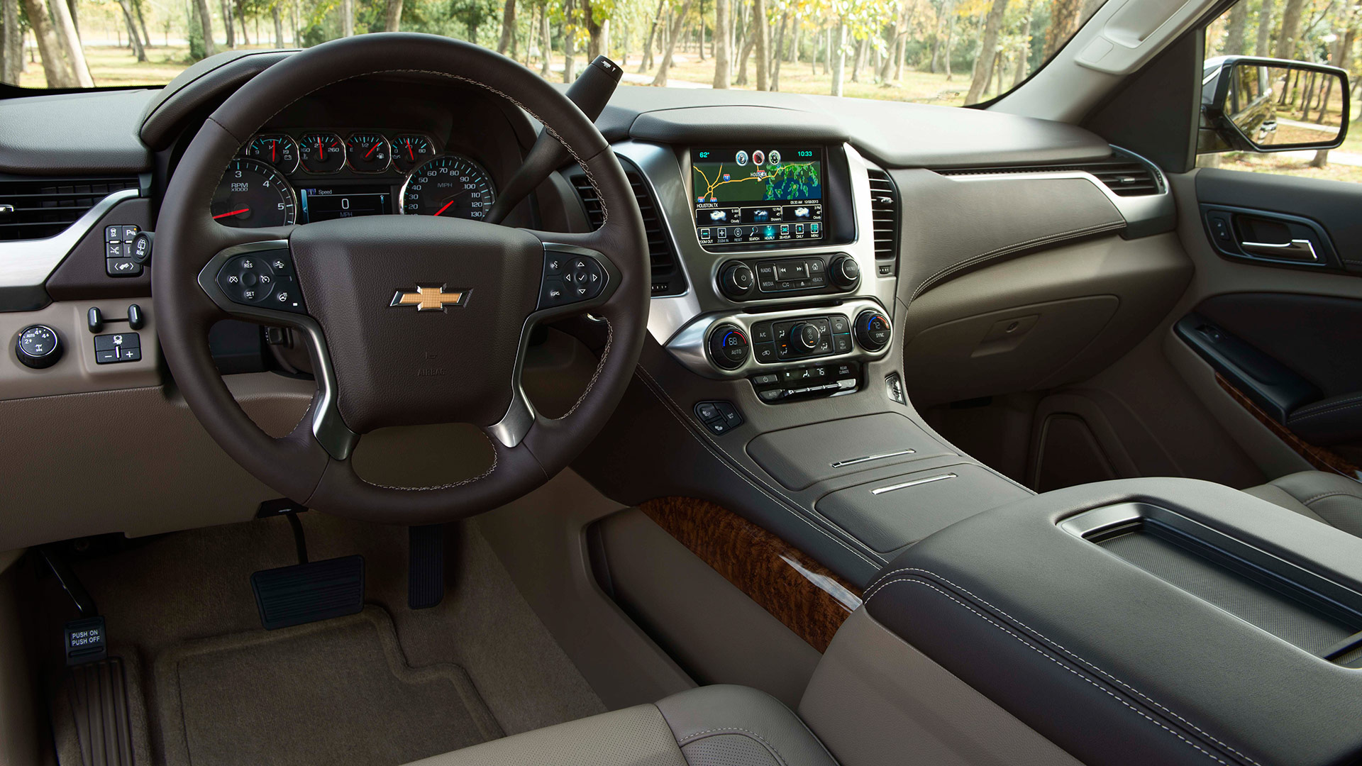 2015 Chevrolet Suburban Interior Head Unit (Photo 31 of 33)
