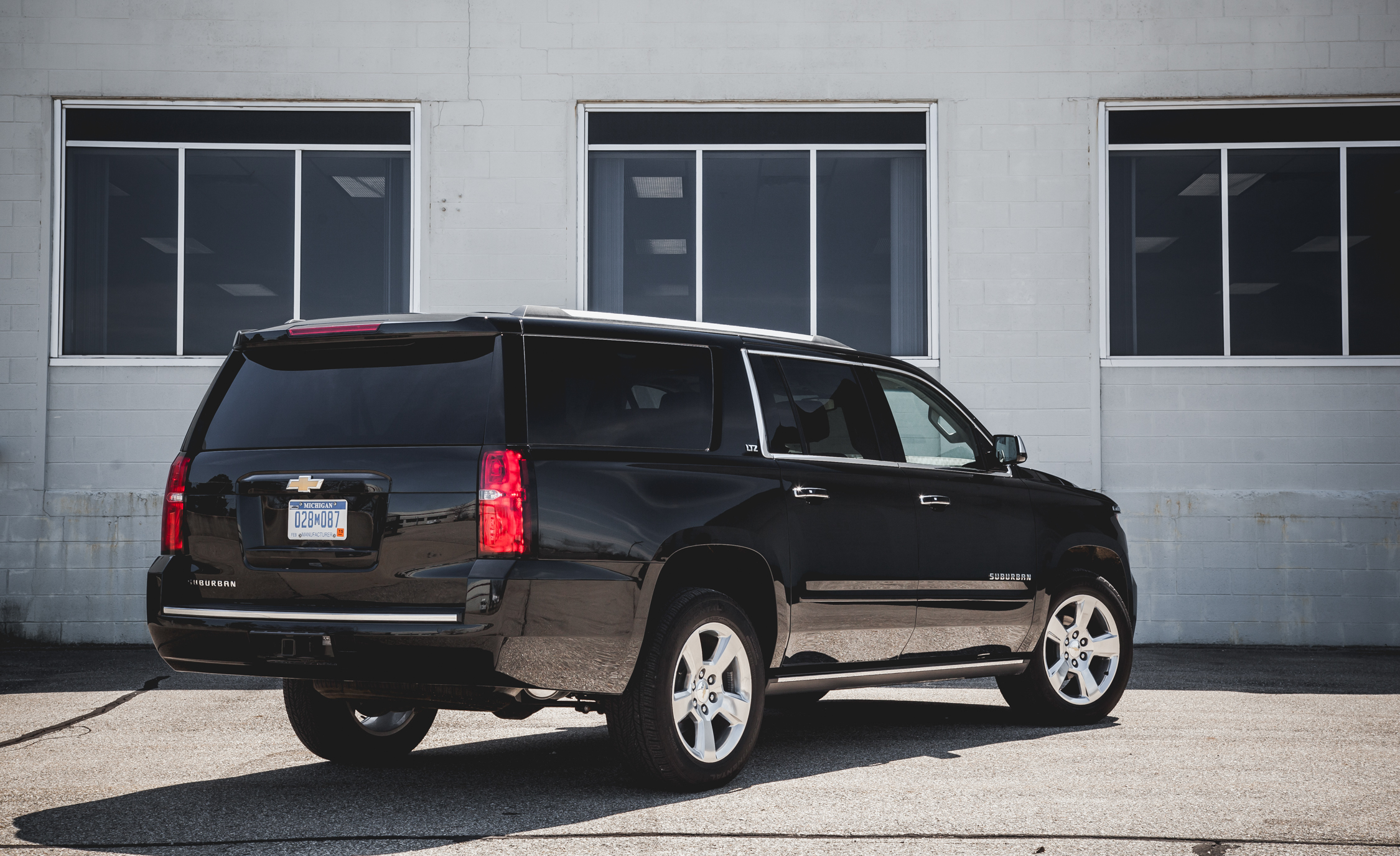 2015 Chevrolet Suburban LTZ (Photo 8 of 33)