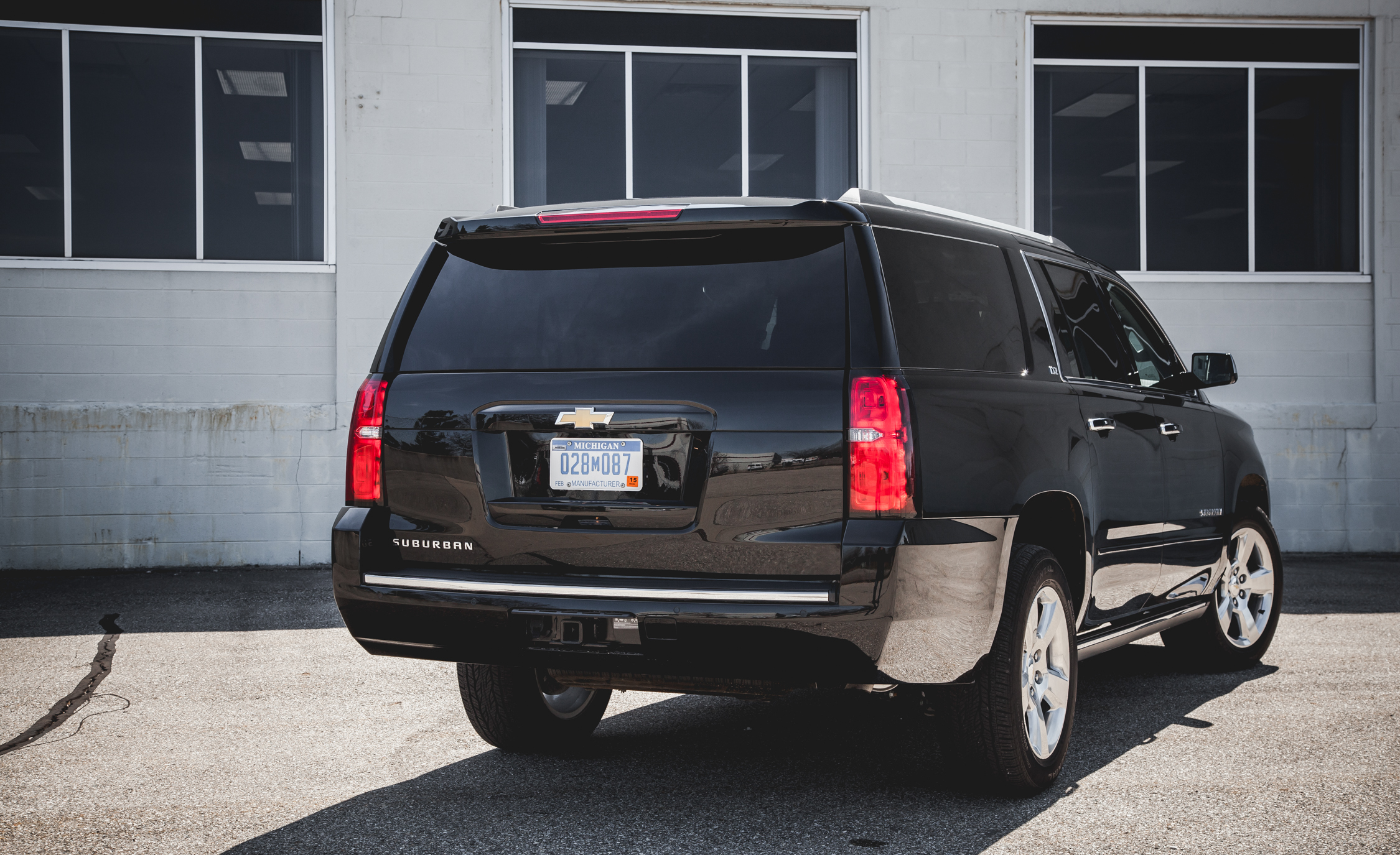 2015 Chevrolet Suburban LTZ (Photo 6 of 33)