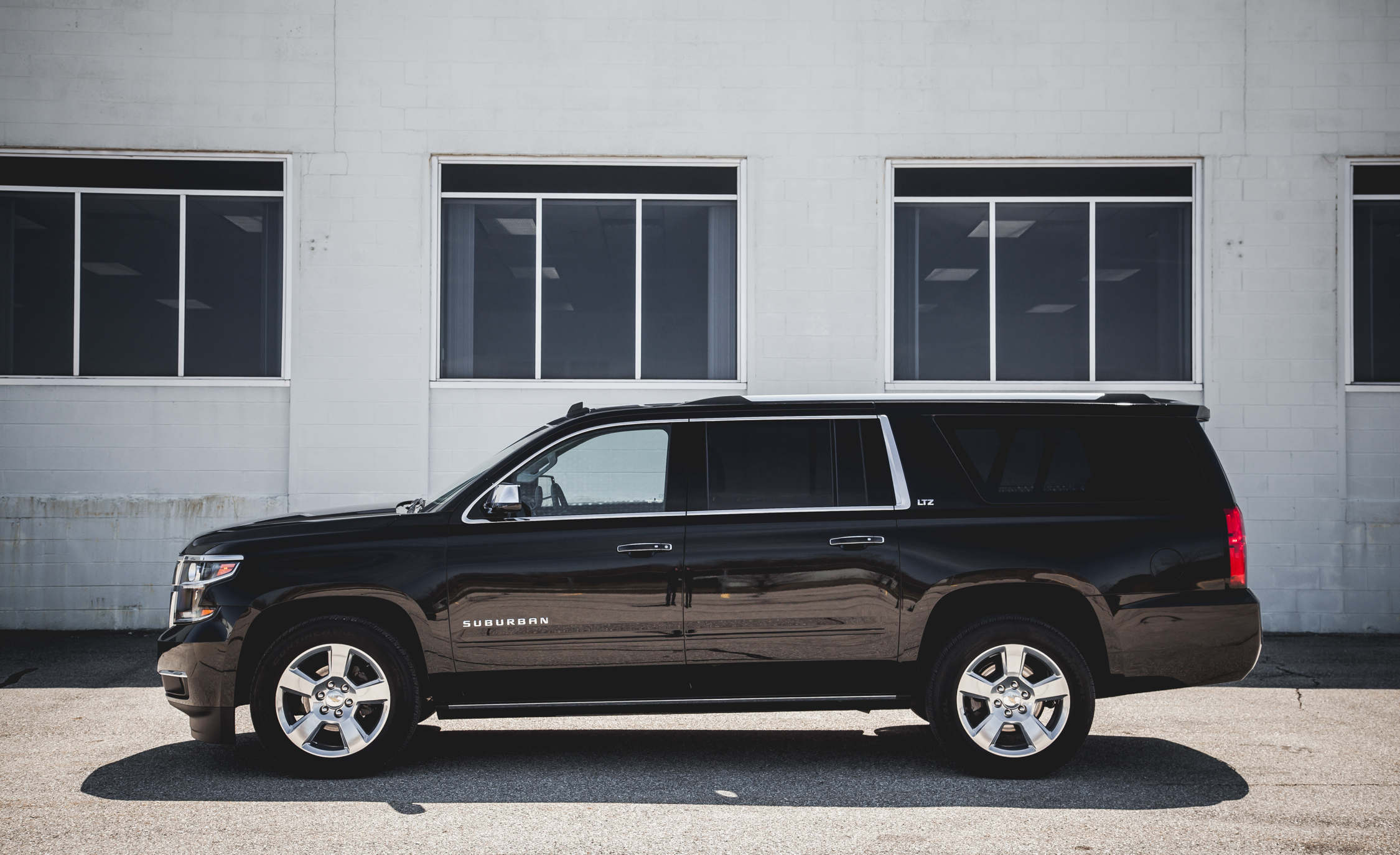 2015 Chevrolet Suburban LTZ (Photo 9 of 33)