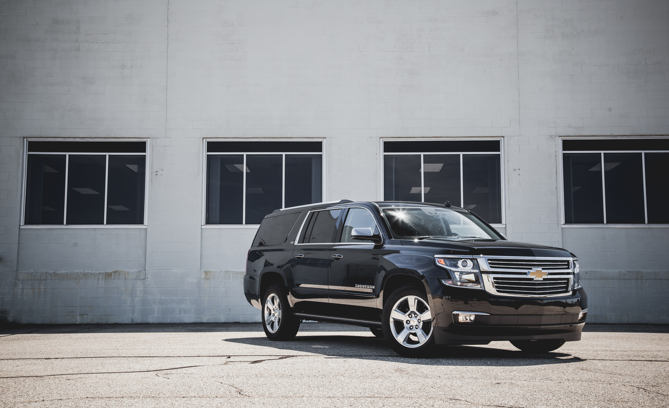 2015 Chevrolet Suburban LTZ (Photo 10 of 33)
