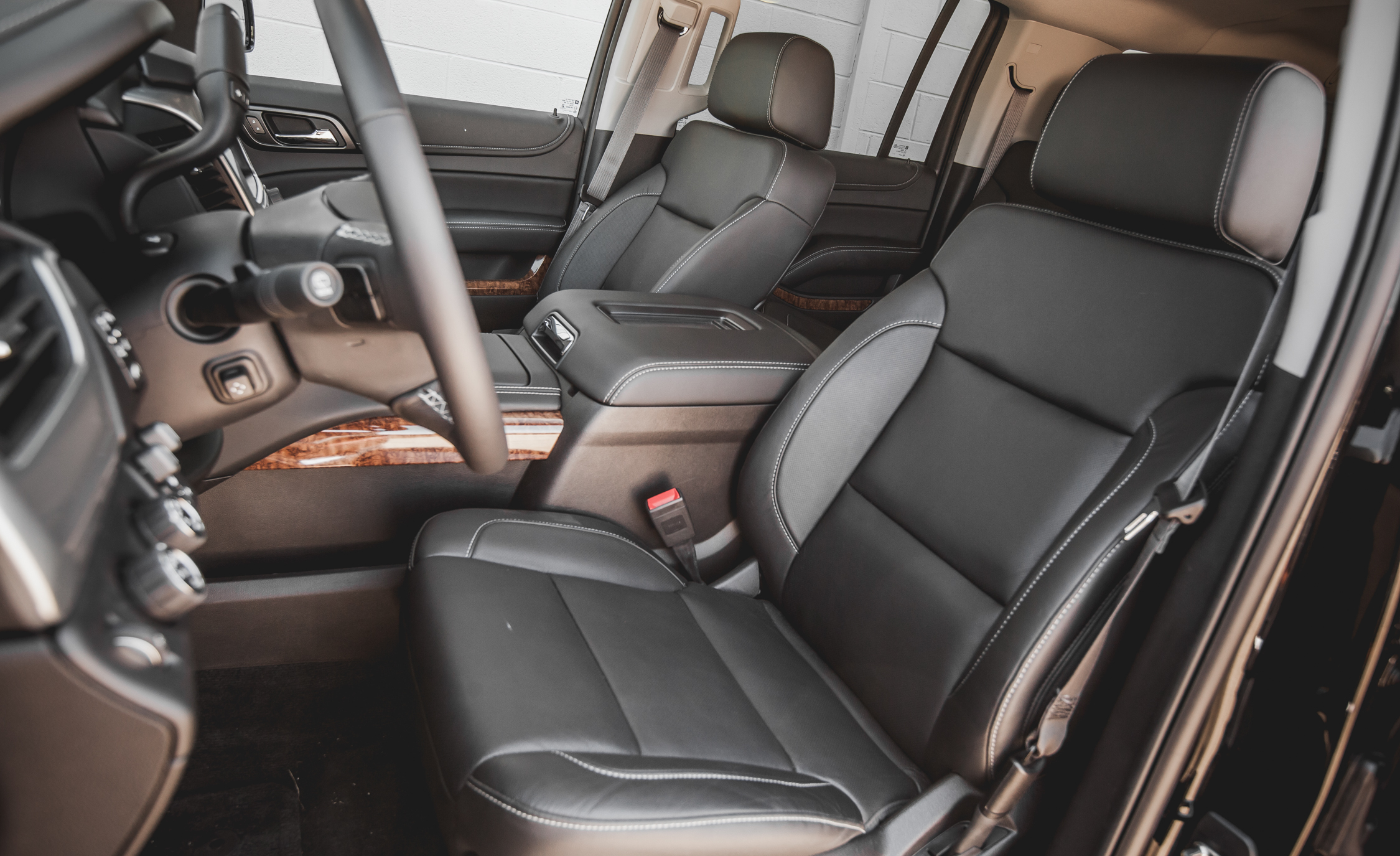 2015 Chevrolet Suburban LTZ Interior (Photo 20 of 33)