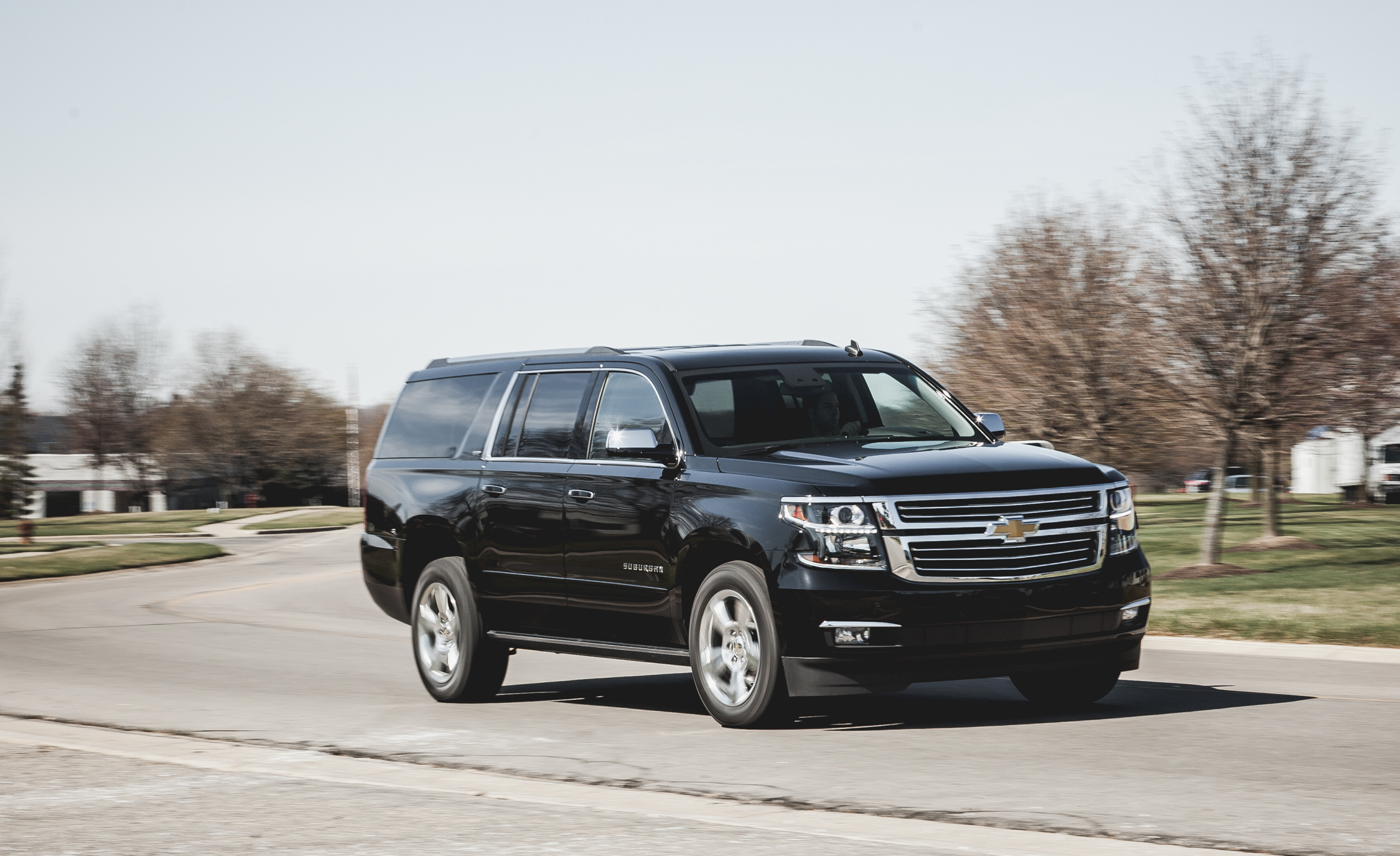 2015 Chevrolet Suburban LTZ (Photo 1 of 33)