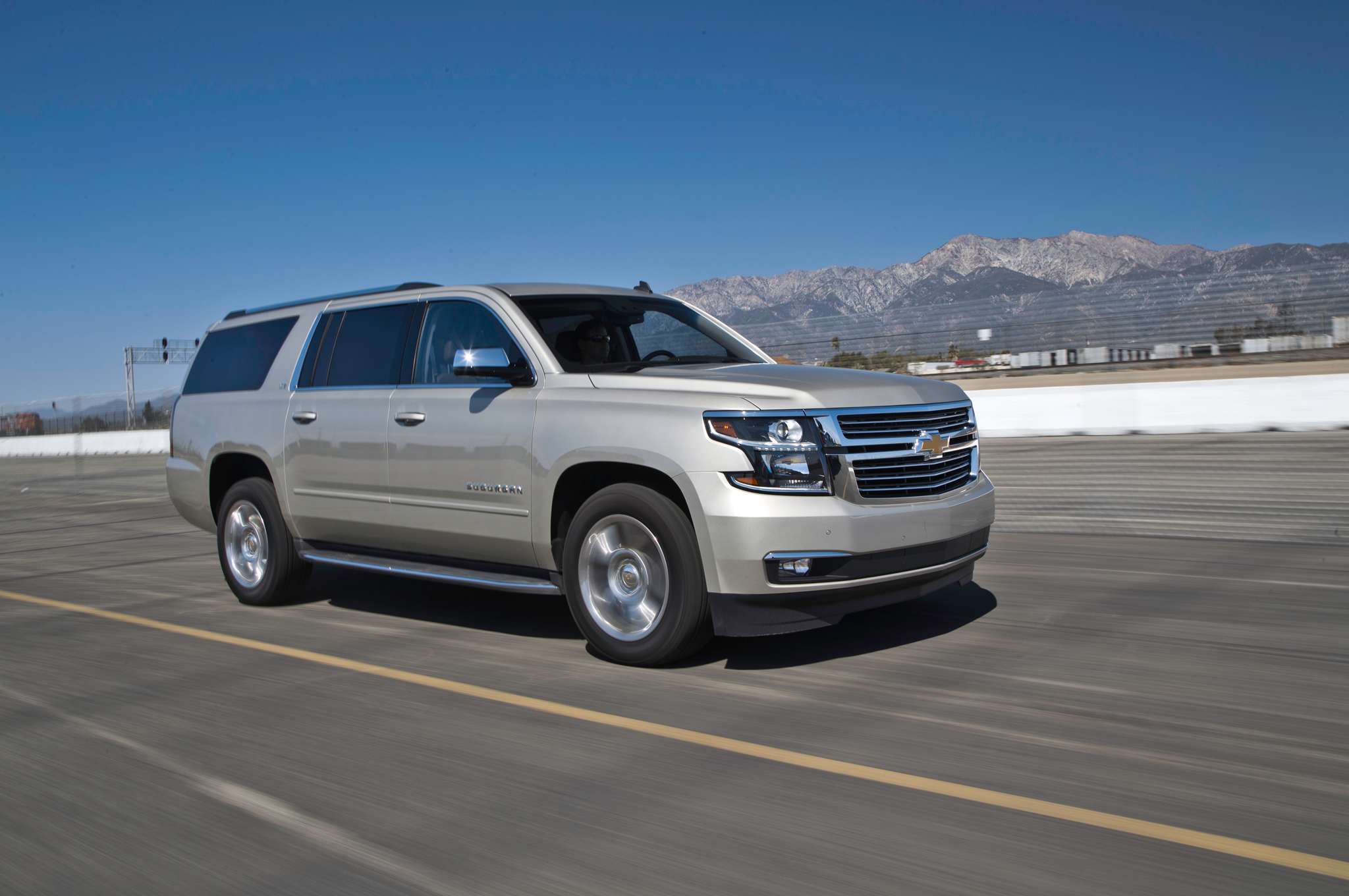 2015 Chevrolet Suburban Test Ride (Photo 33 of 33)