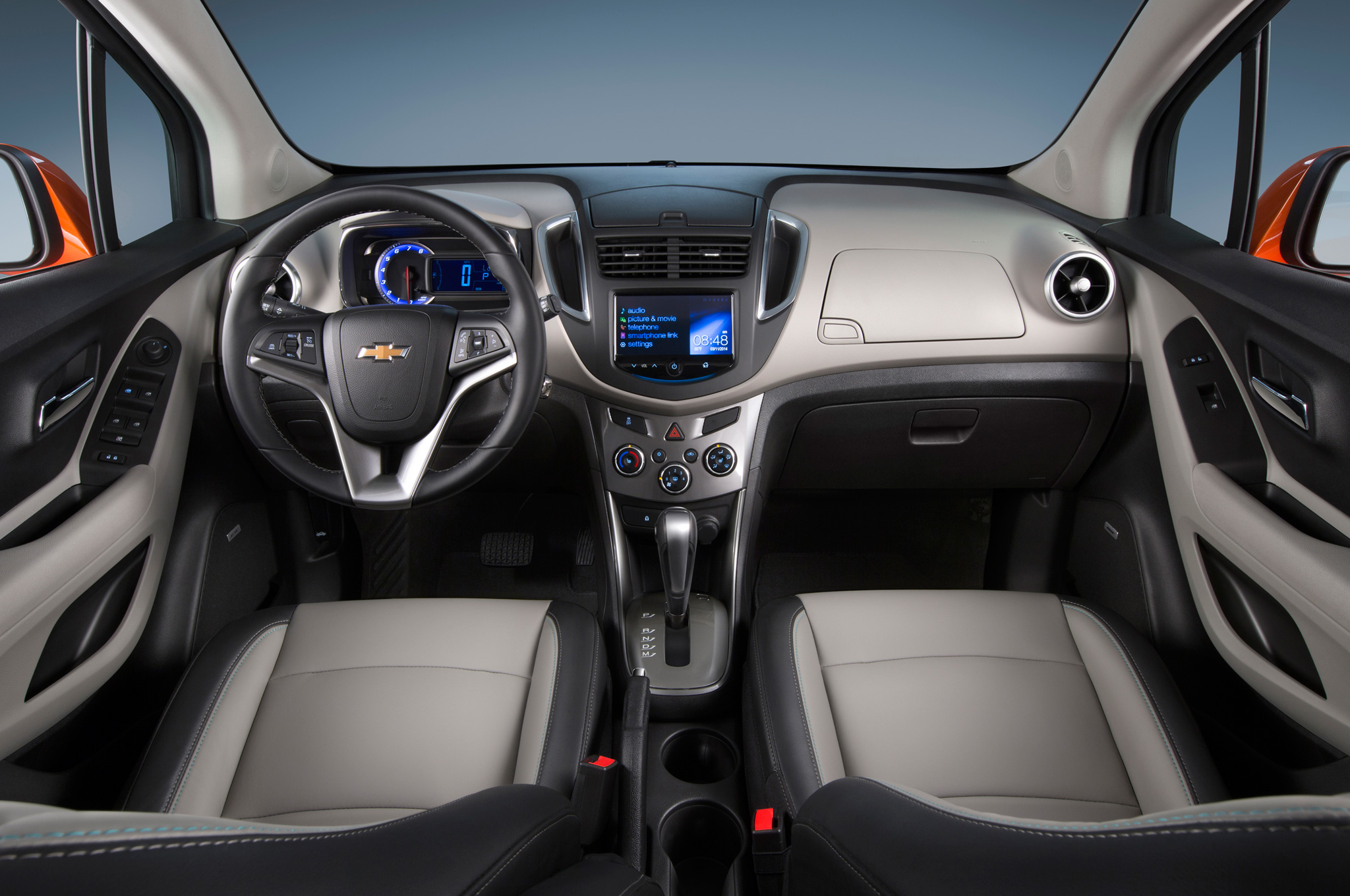 2015 Chevrolet Trax Cockpit And Dashboard Interior (Photo 2 of 8)