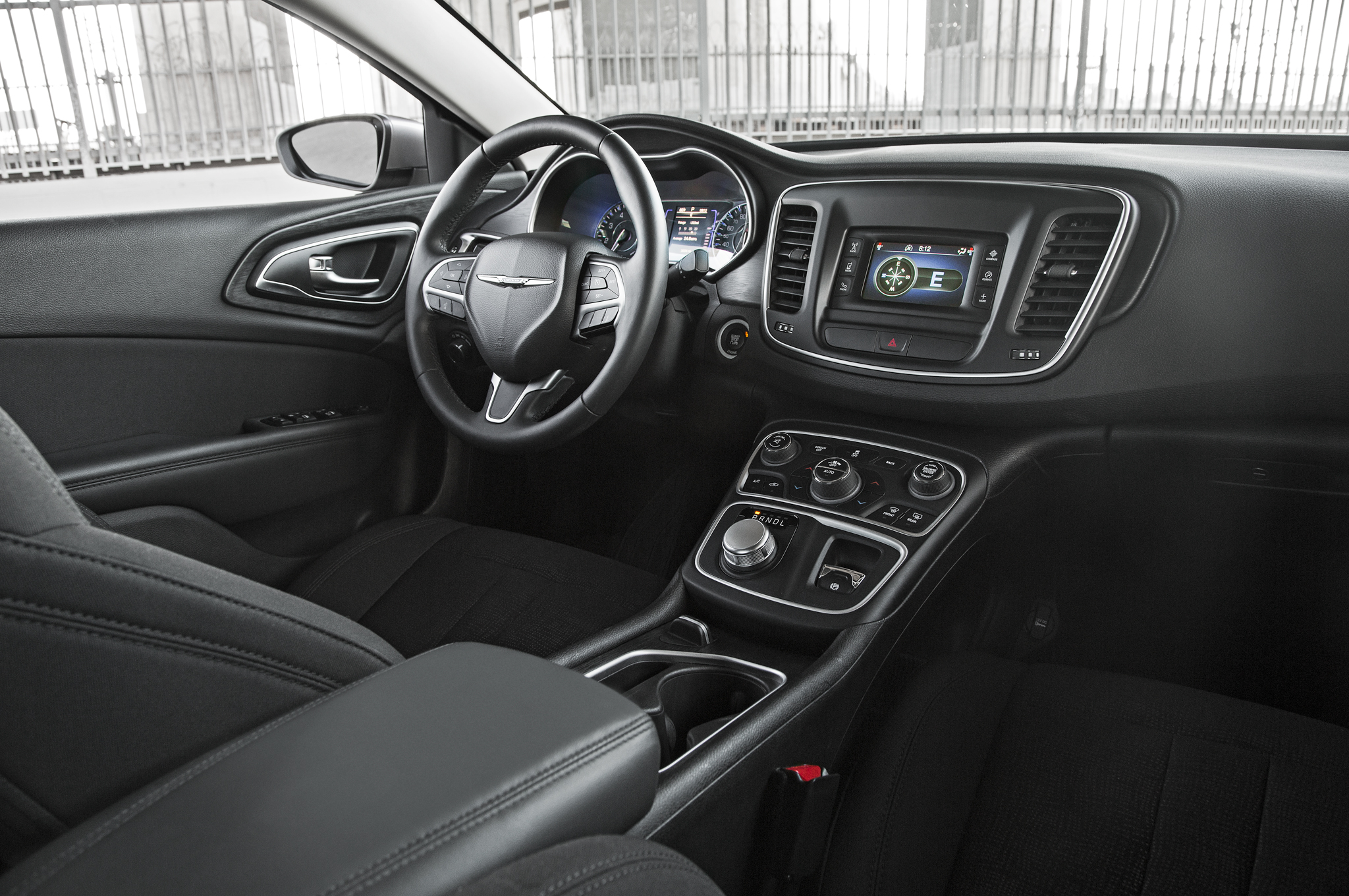 2015 Chrysler 200 Dashboard And Cockpit (Photo 5 of 11)