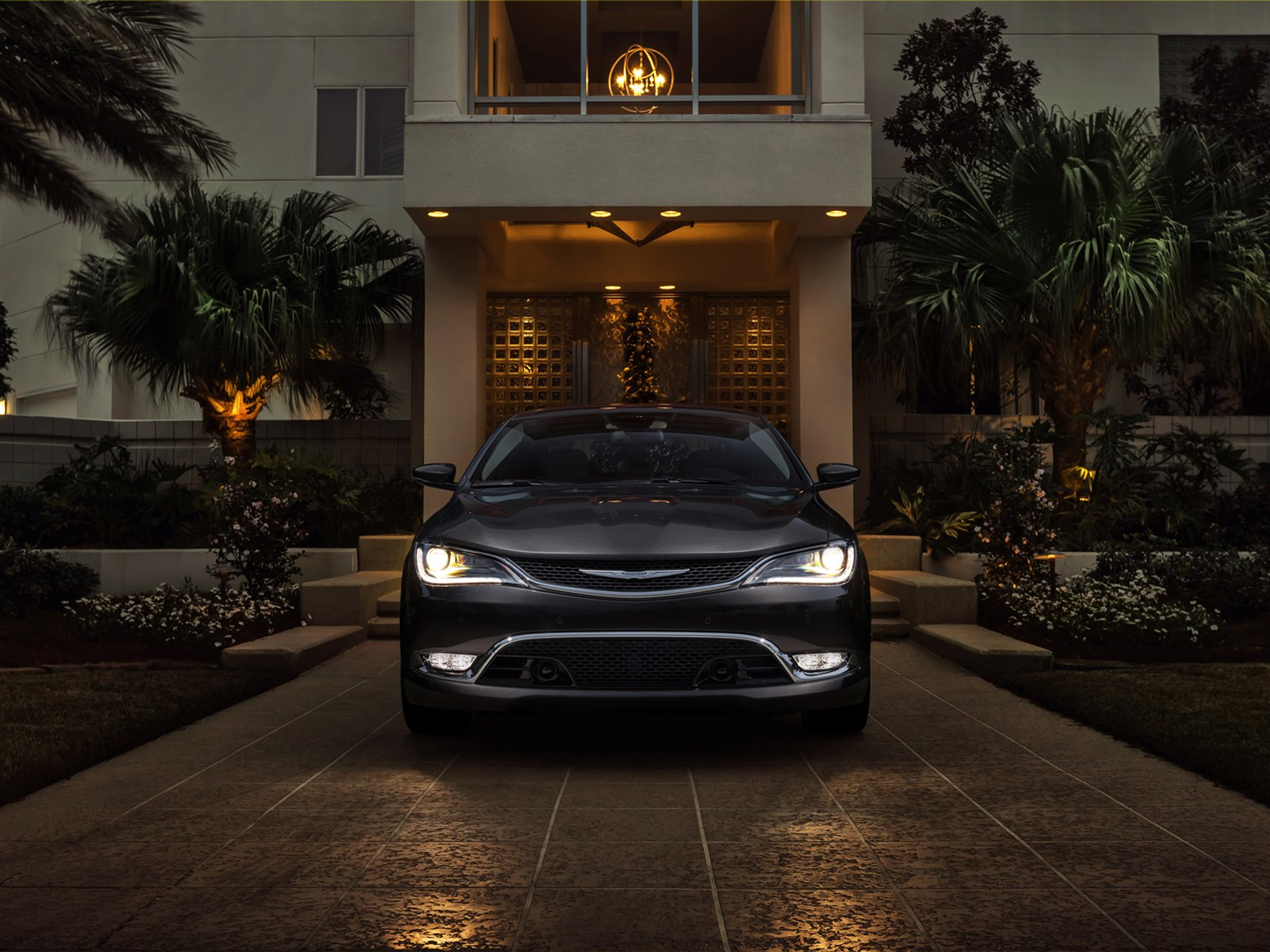 2015 Chrysler 200 Front End (View 7 of 11)