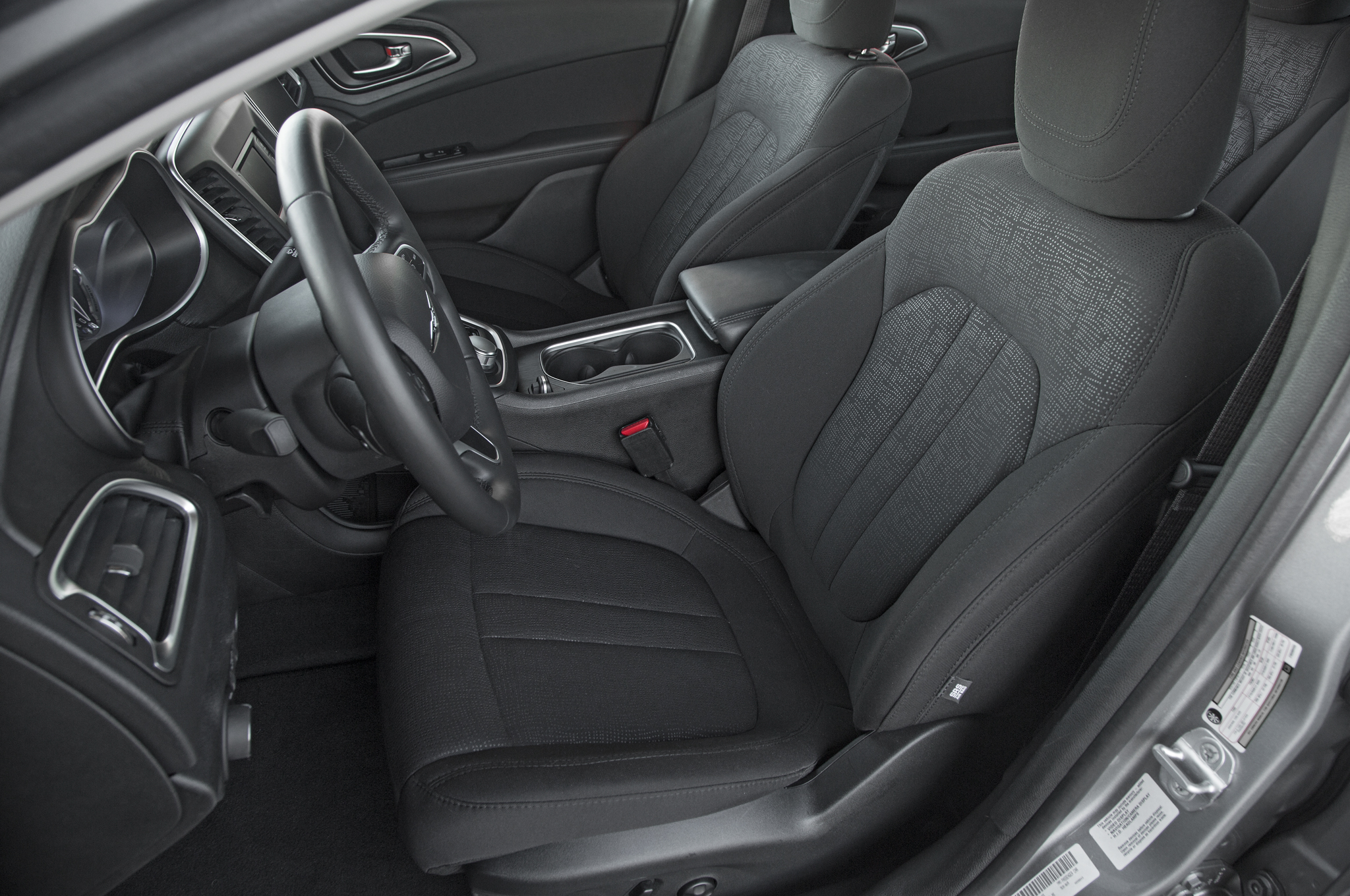 2015 Chrysler 200 Front Interior (View 8 of 11)