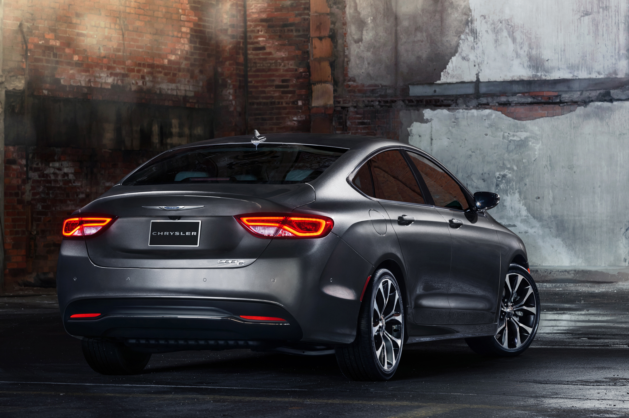 2015 Chrysler 200 Rear Exterior (View 10 of 11)