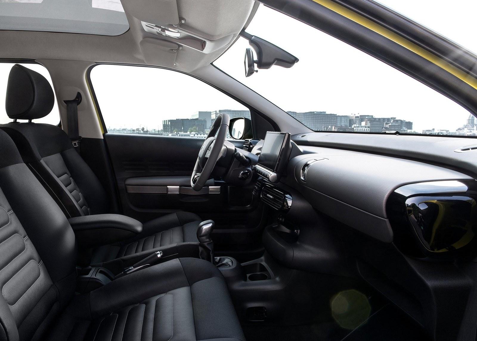 2015 Citroen C4 Cactus Front Seats Interior (Photo 8 of 21)