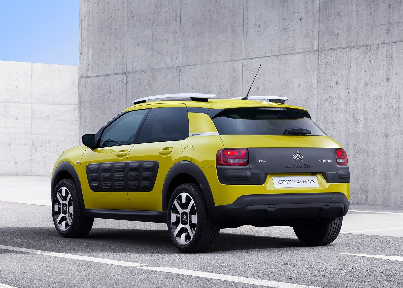 2015 Citroen C4 Cactus Rear Side Exterior (View 2 of 21)