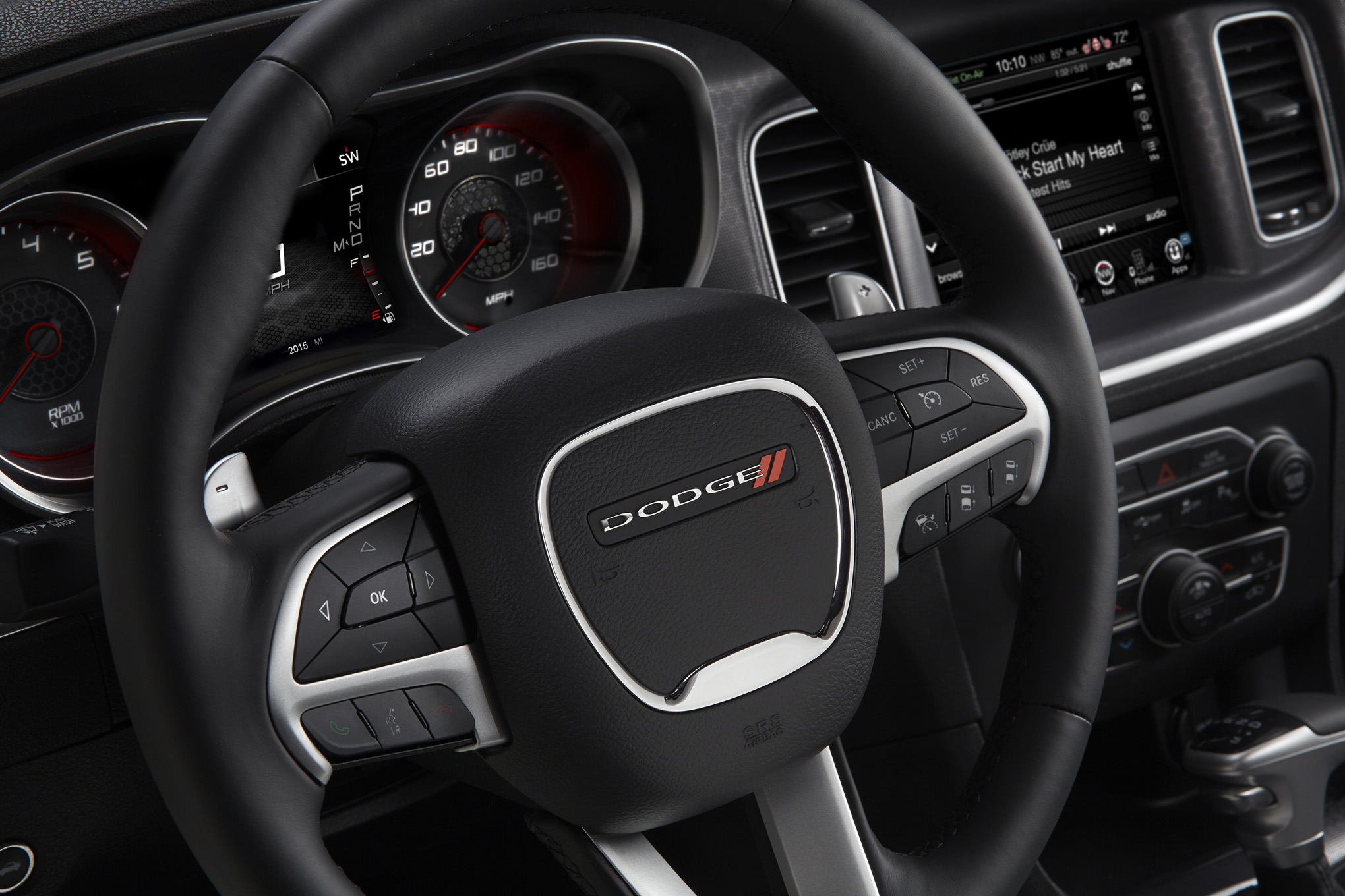 2015 Dodge Charger R/T (Photo 13 of 39)