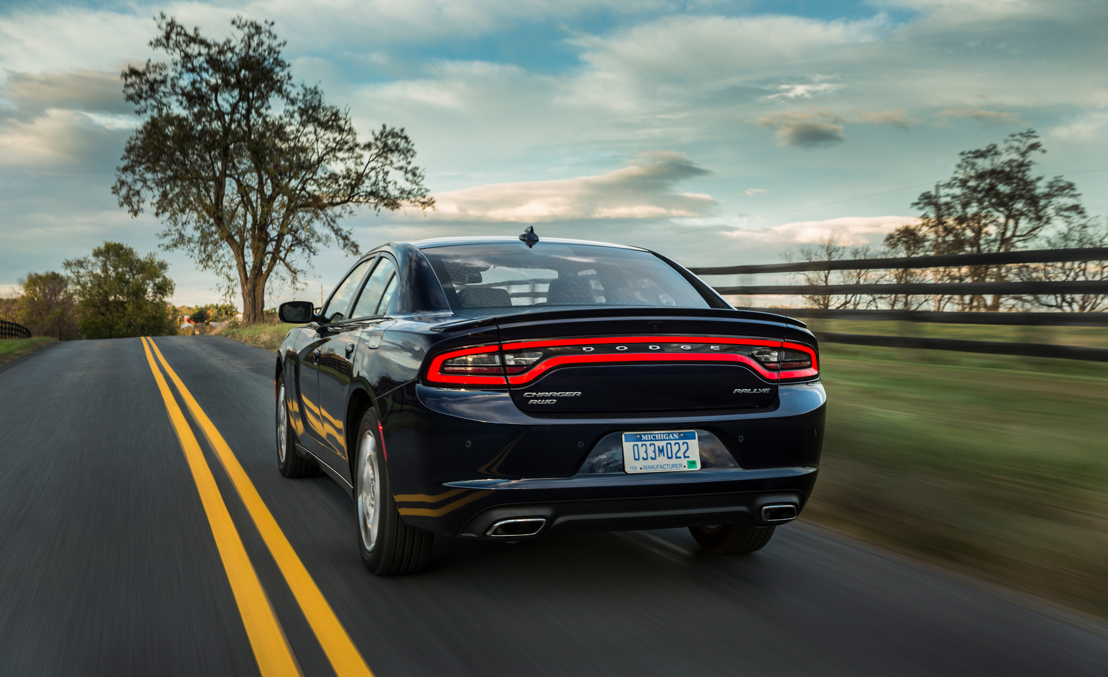2015 Dodge Charger SXT AWD (Photo 28 of 39)