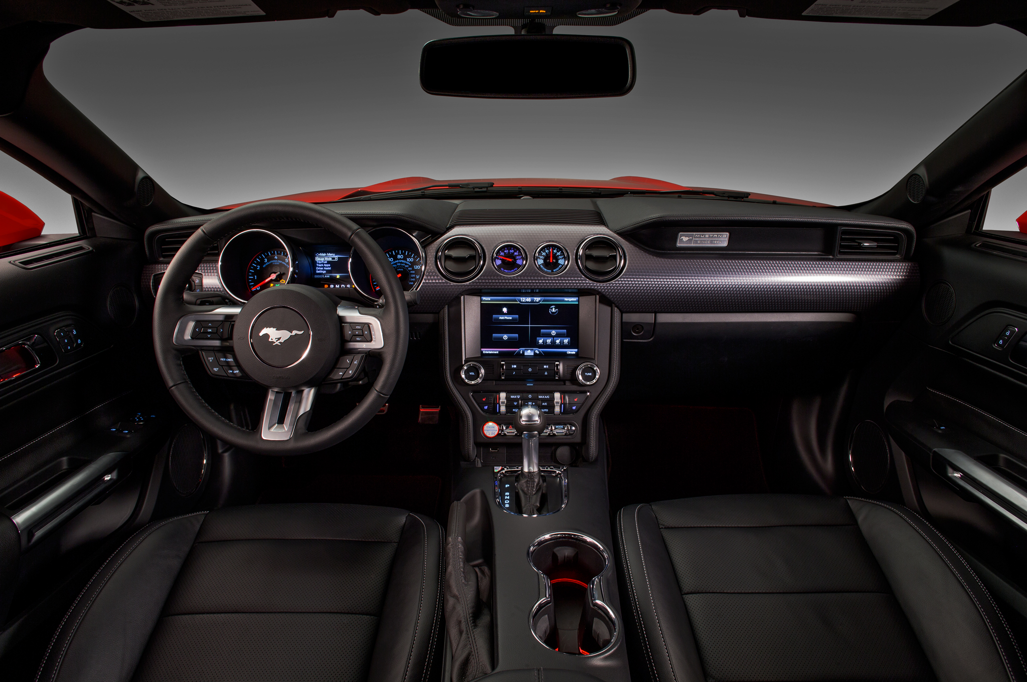 2015 Ford Mustang Cockpit And Dashboard (Photo 2 of 30)