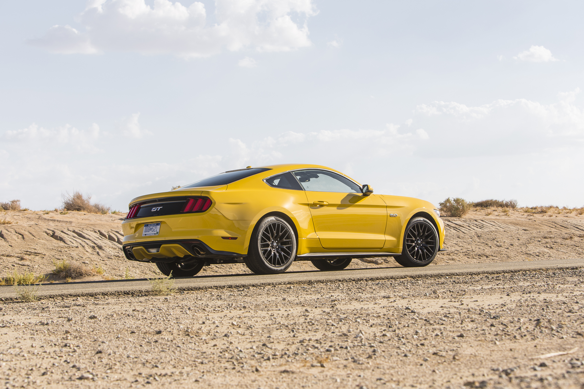 2015 Ford Mustang Gt Rear Side Photo (Photo 18 of 30)