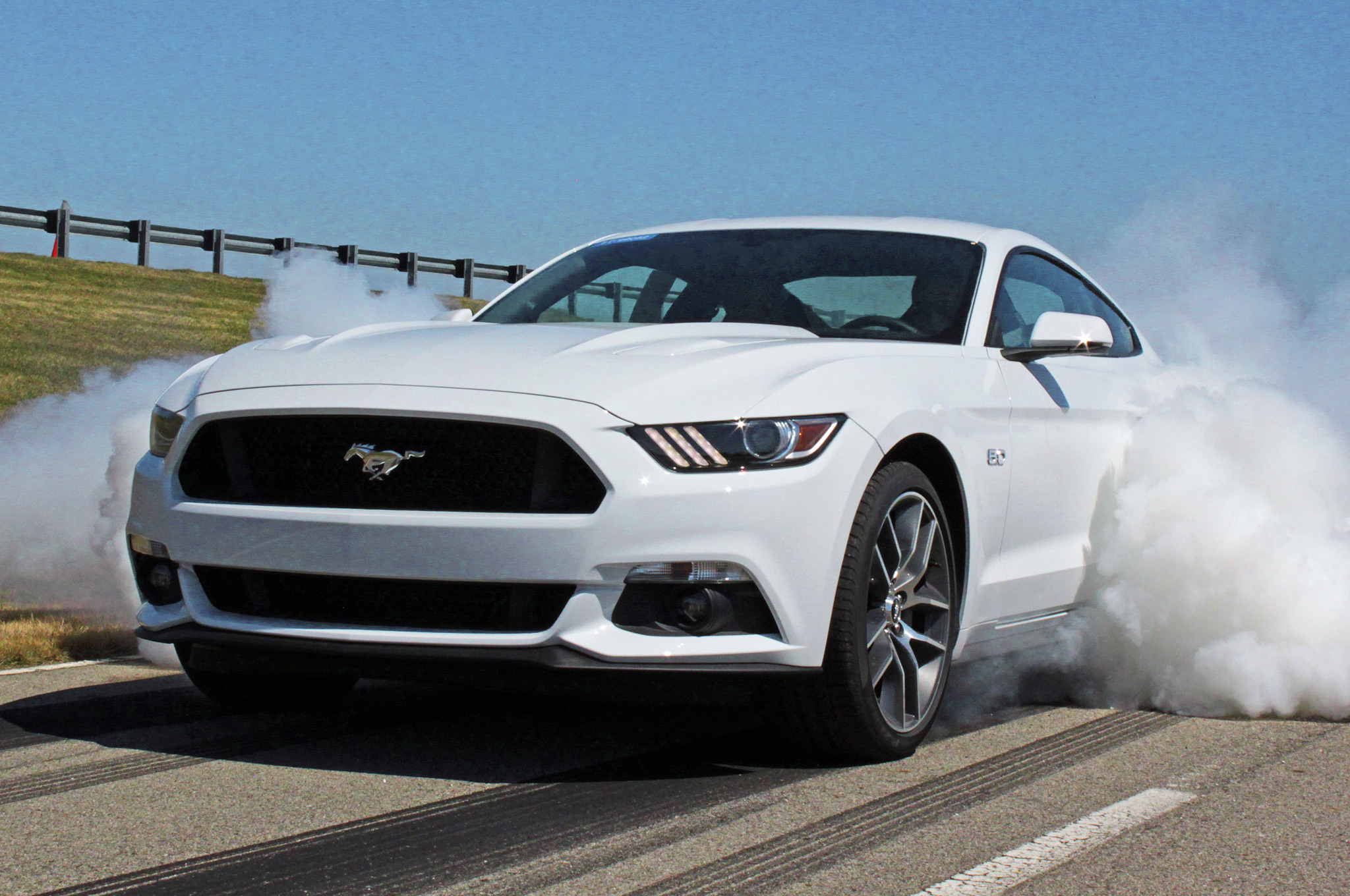 2015 Ford Mustang Gt White (Photo 22 of 30)