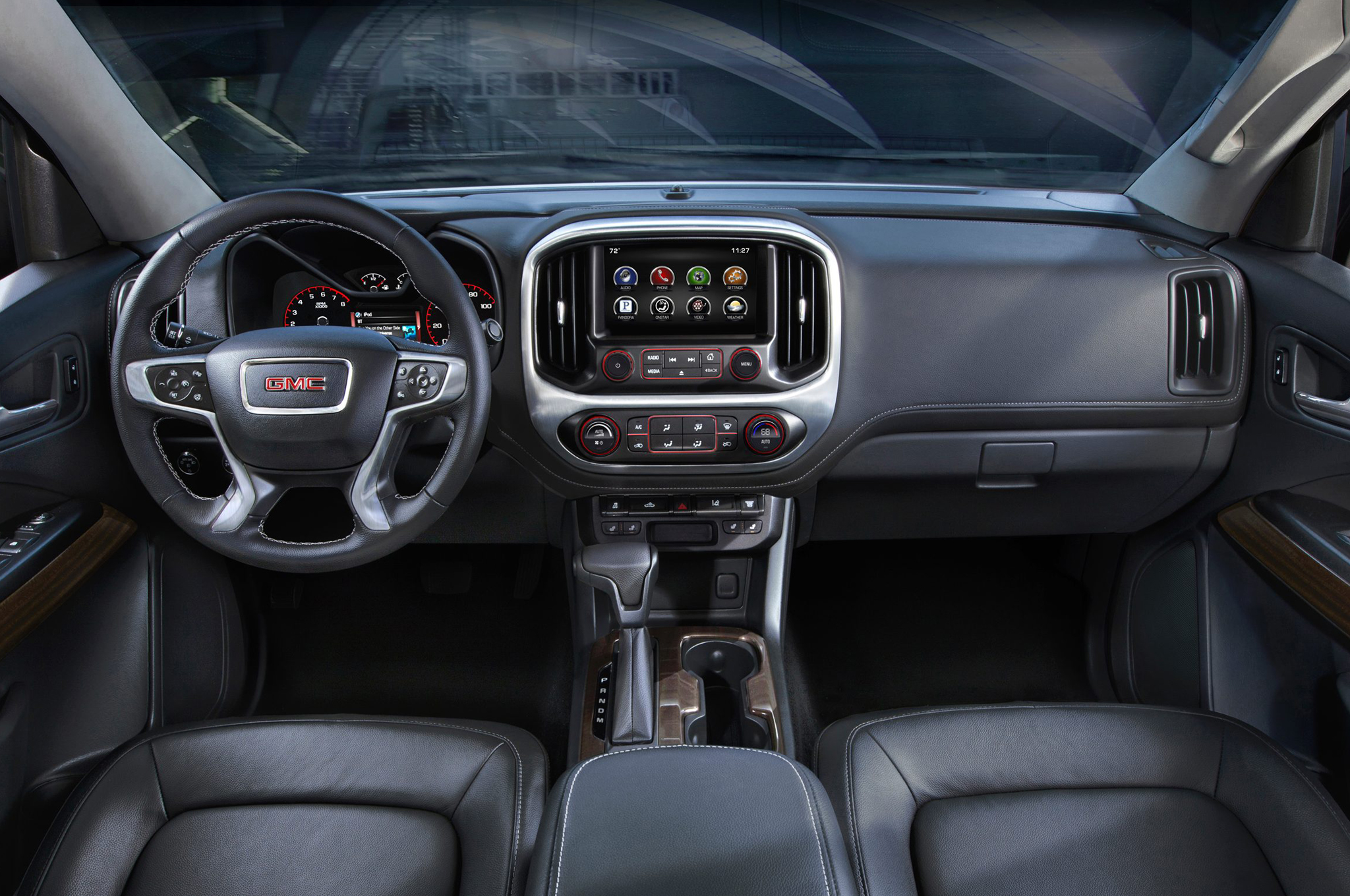 2015 Gmc Canyon Dashboard Head Unit And Cockpit (Photo 1 of 6)