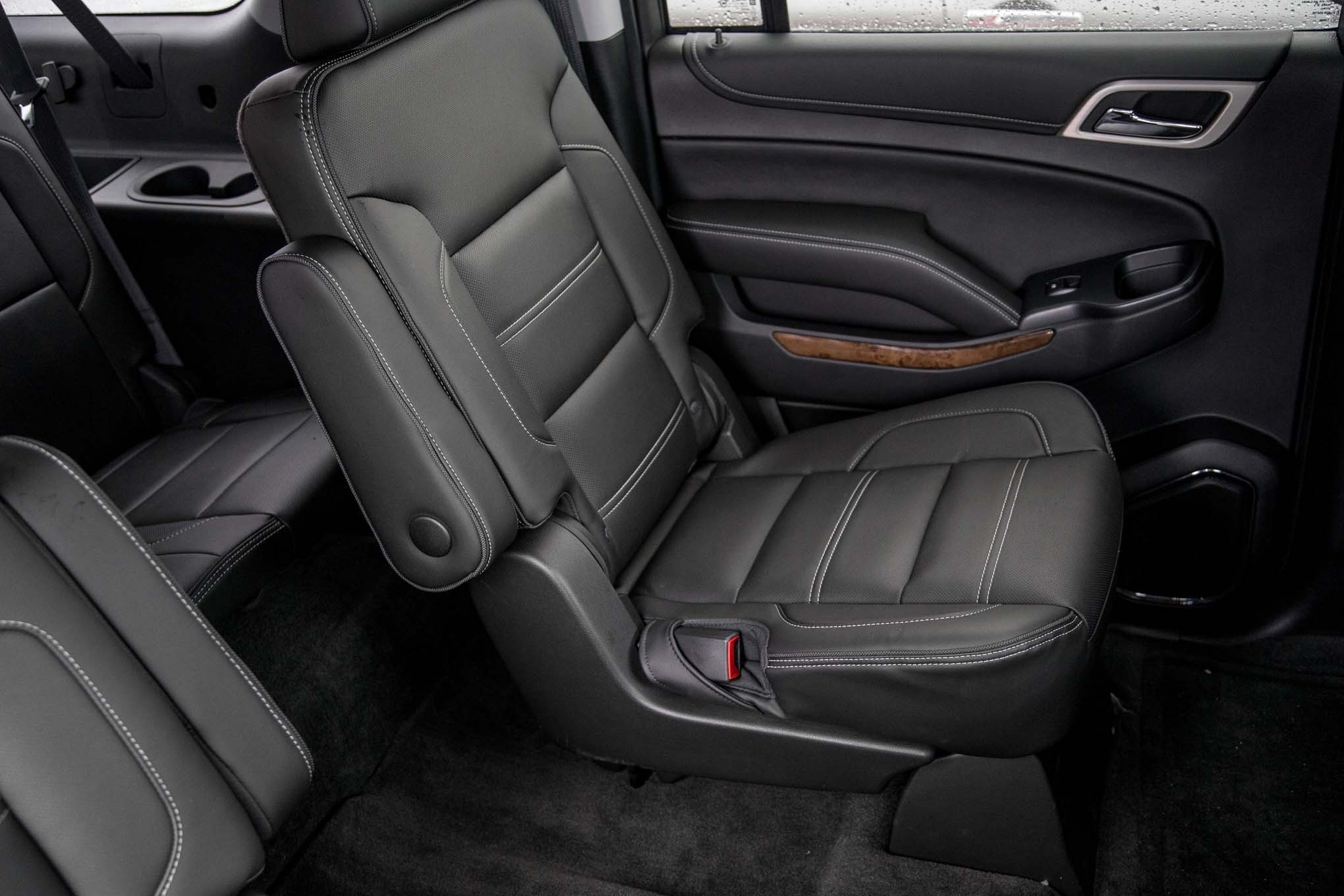2015 Gmc Yukon Xl Center Seat Interior (Photo 2 of 10)