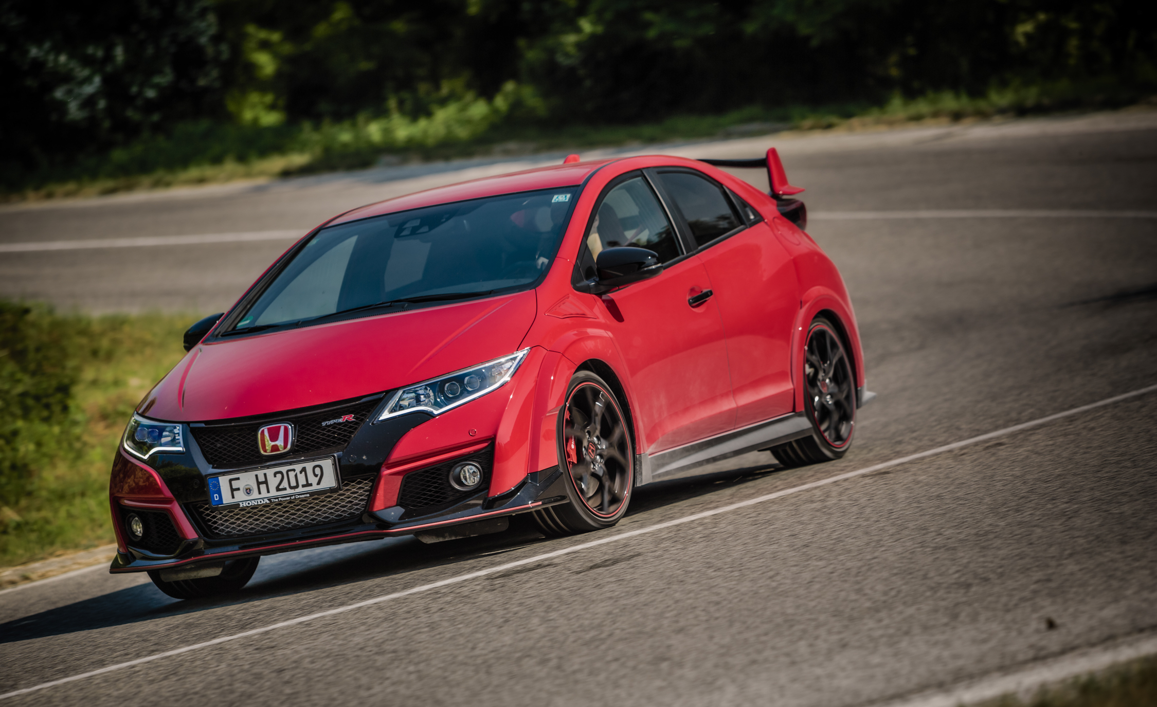 2015 Honda Civic Type R (Euro Spec) (Photo 19 of 34)