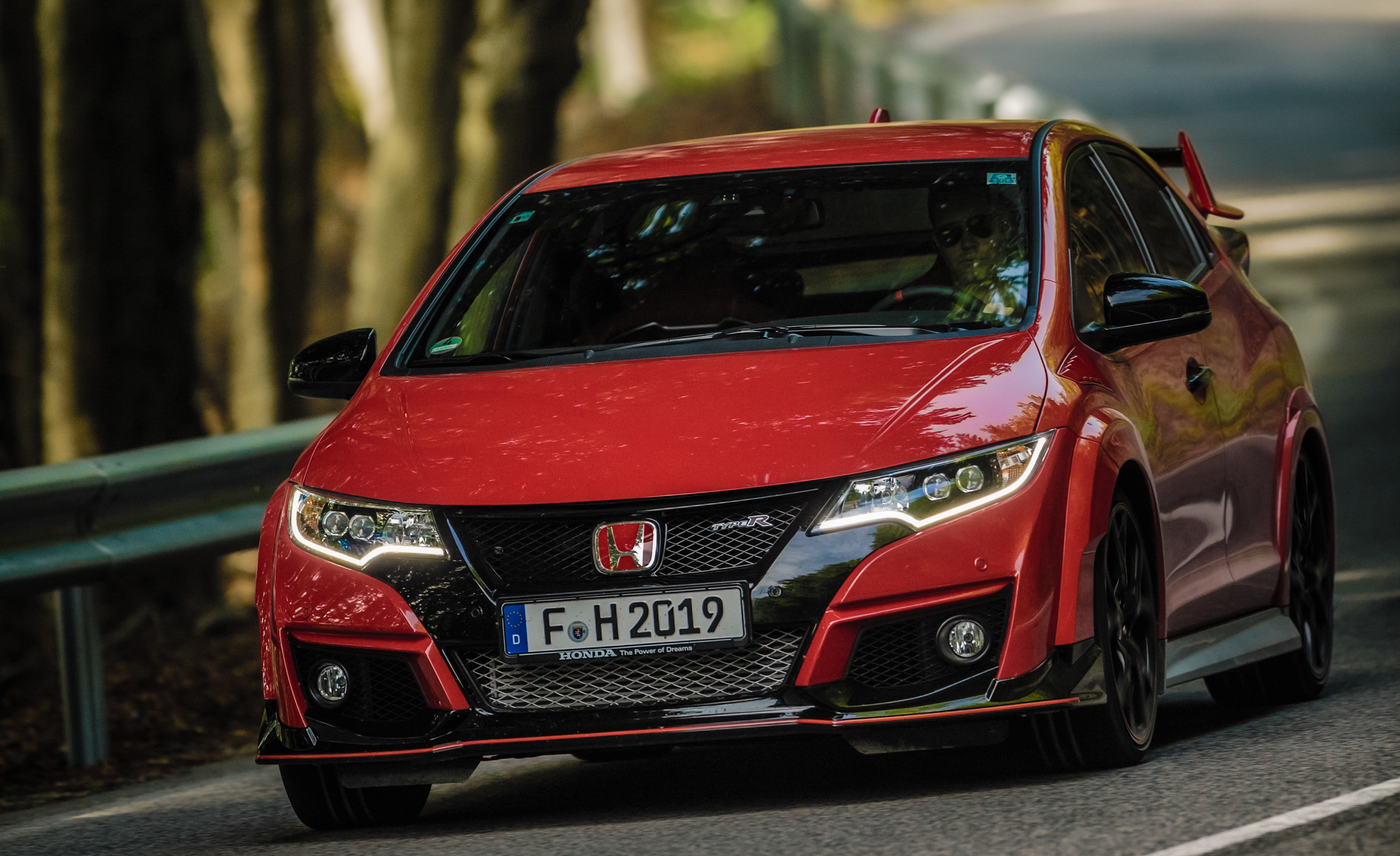 2015 Honda Civic Type R (Euro Spec) (Photo 24 of 34)
