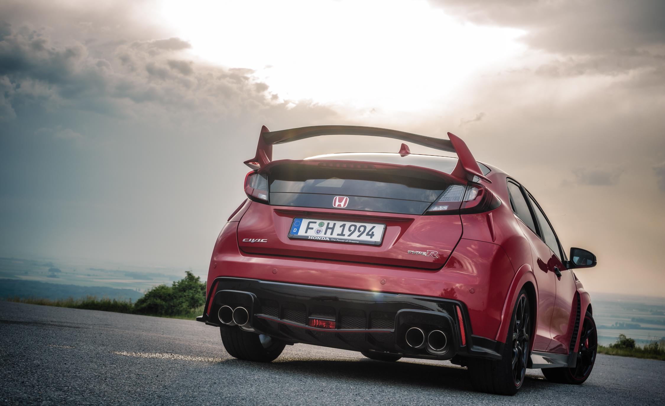 2015 Honda Civic Type R (Euro Spec) (View 29 of 34)