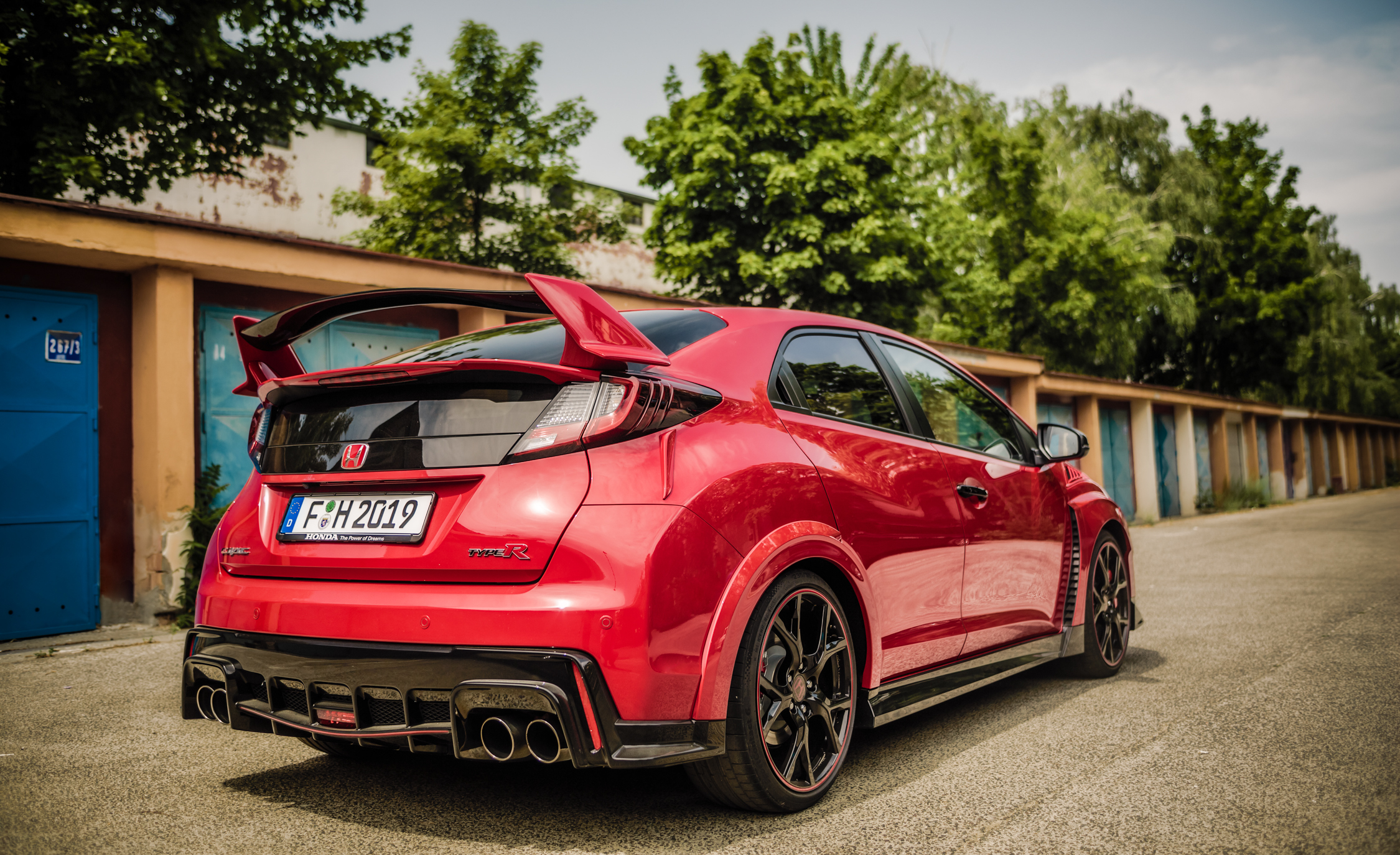 2015 Honda Civic Type R (Euro Spec) (Photo 28 of 34)