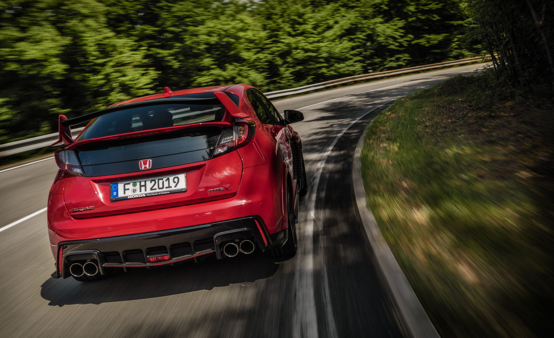 2015 Honda Civic Type R (Euro Spec) (Photo 26 of 34)