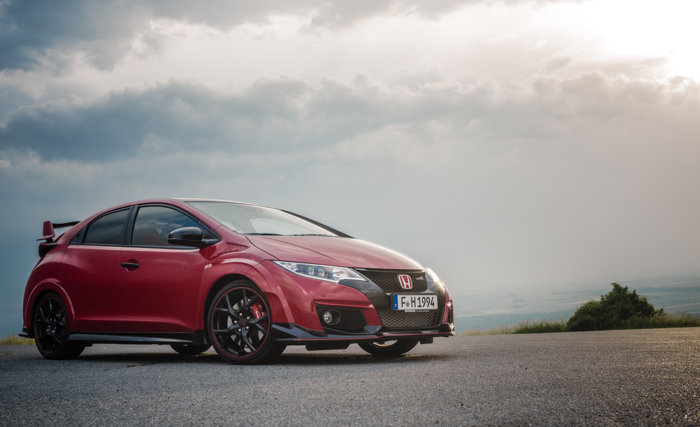 2015 Honda Civic Type R (Euro Spec) (Photo 21 of 34)