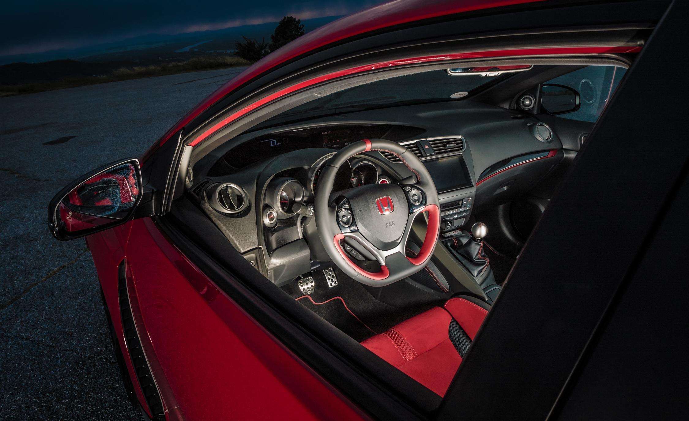 2015 Honda Civic Type R (Euro Spec) (View 5 of 34)