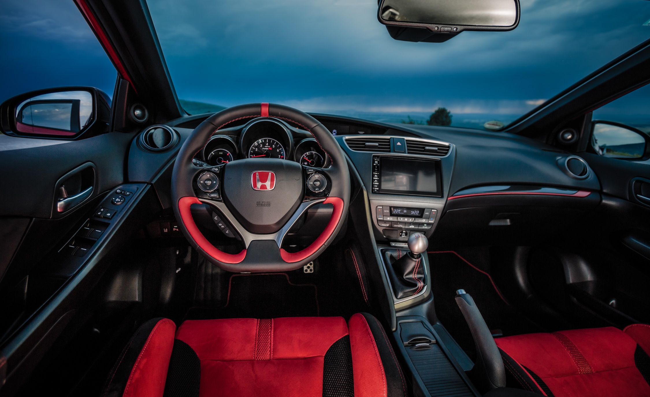 2015 Honda Civic Type R (Euro Spec) (Photo 6 of 34)