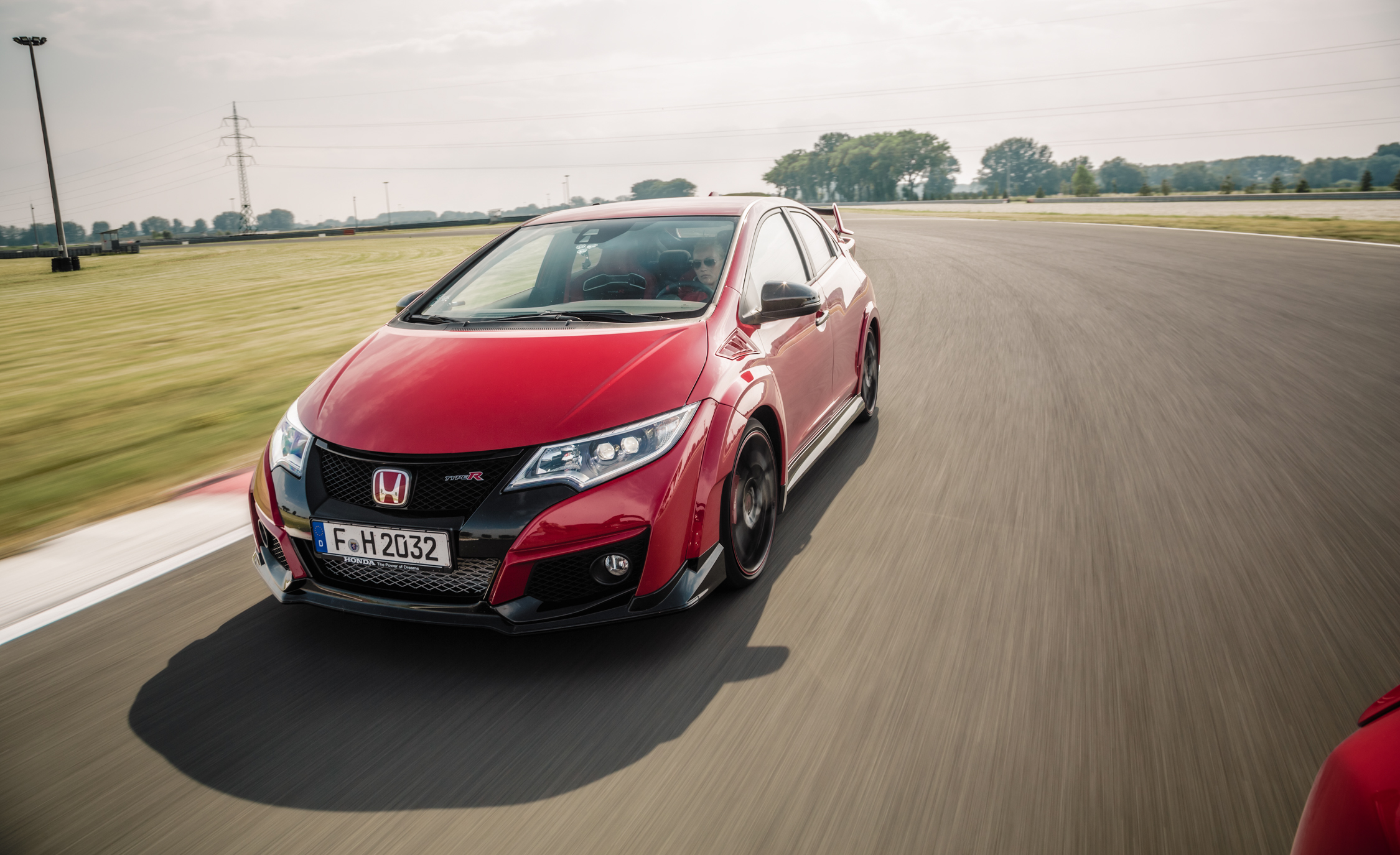 2015 Honda Civic Type R (Euro Spec) (Photo 11 of 34)