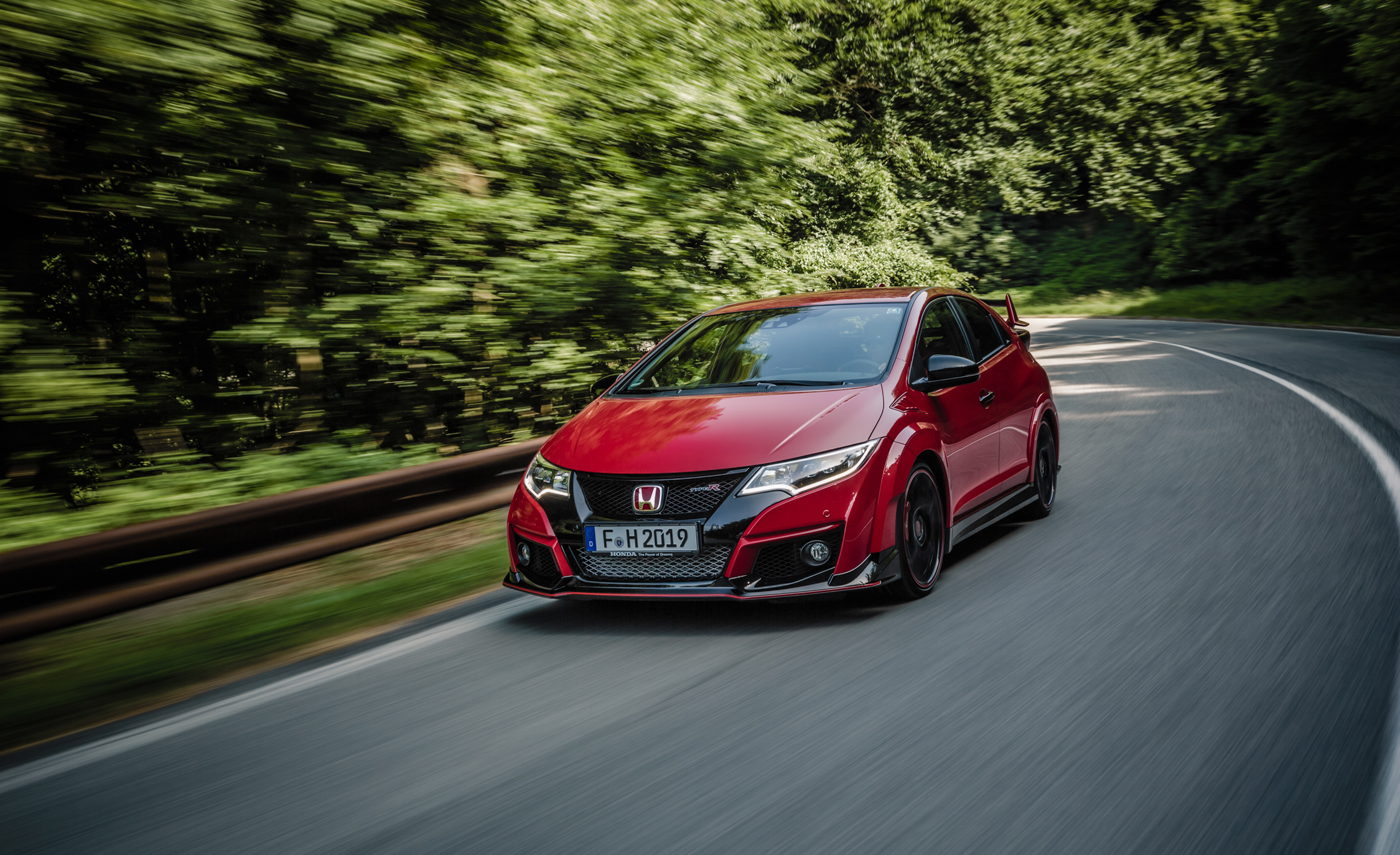 2015 Honda Civic Type R (Euro Spec) (Photo 12 of 34)