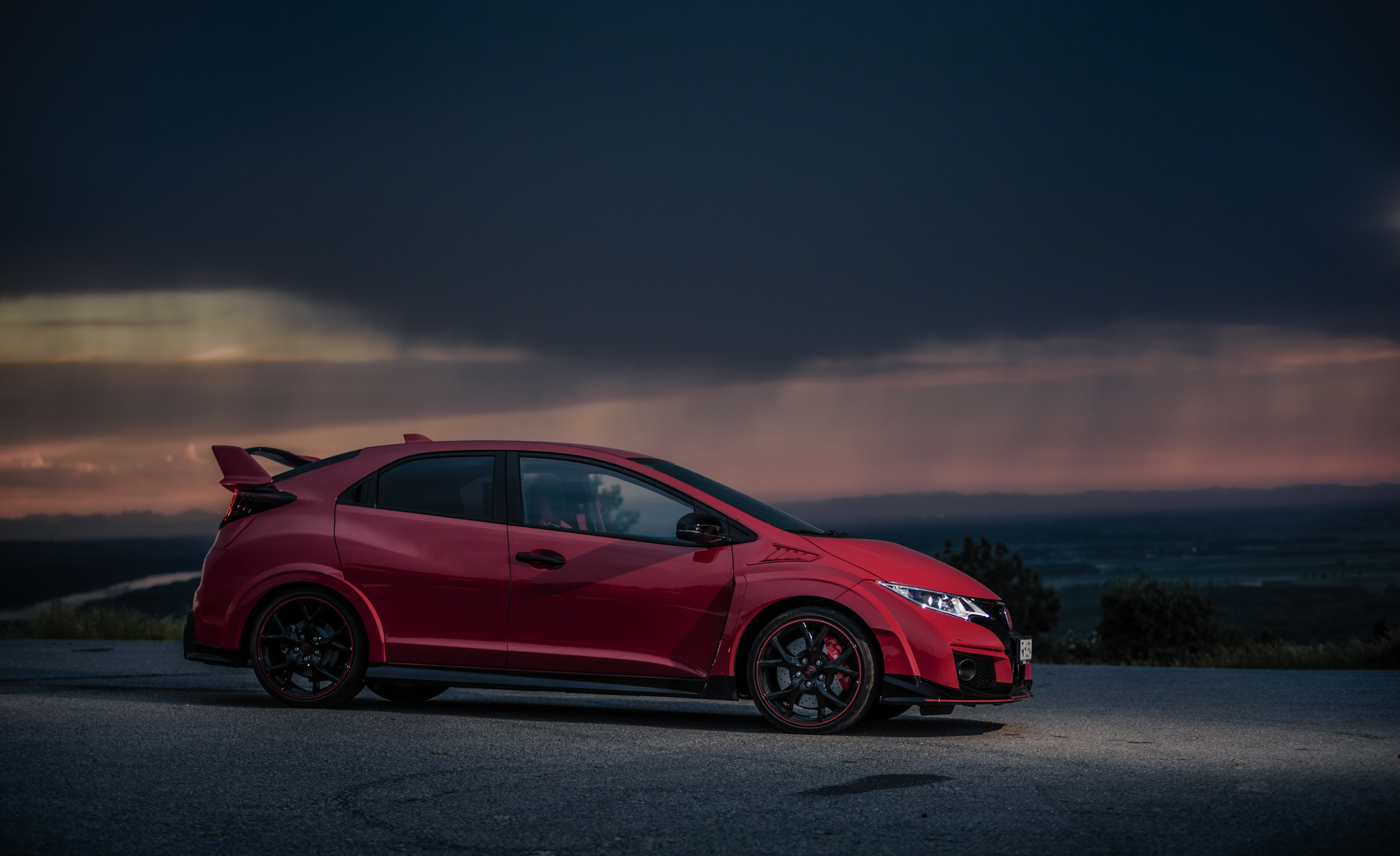 2015 Honda Civic Type R (Euro Spec) (Photo 15 of 34)