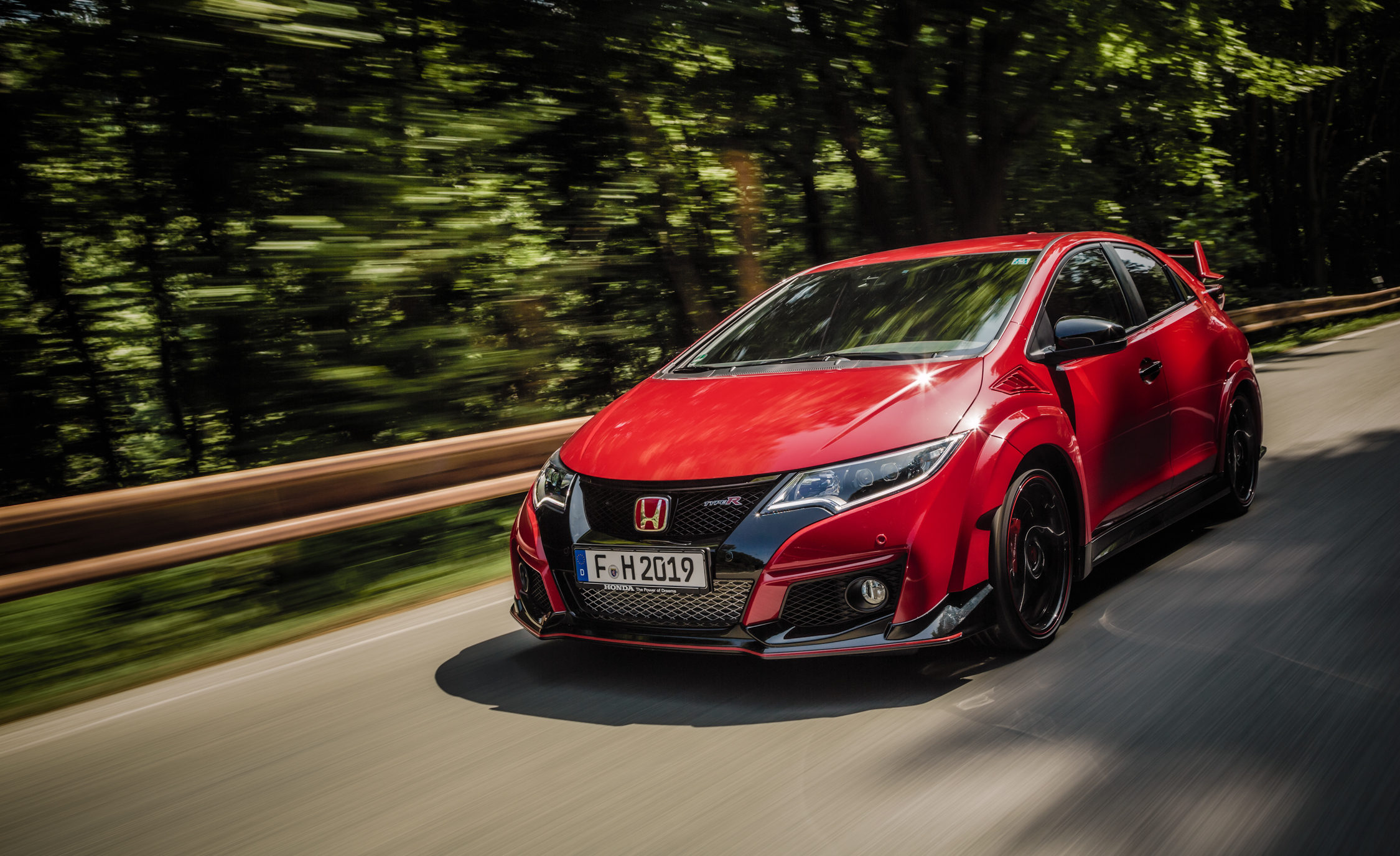 Featured Image of 2015 Honda Civic Type R
