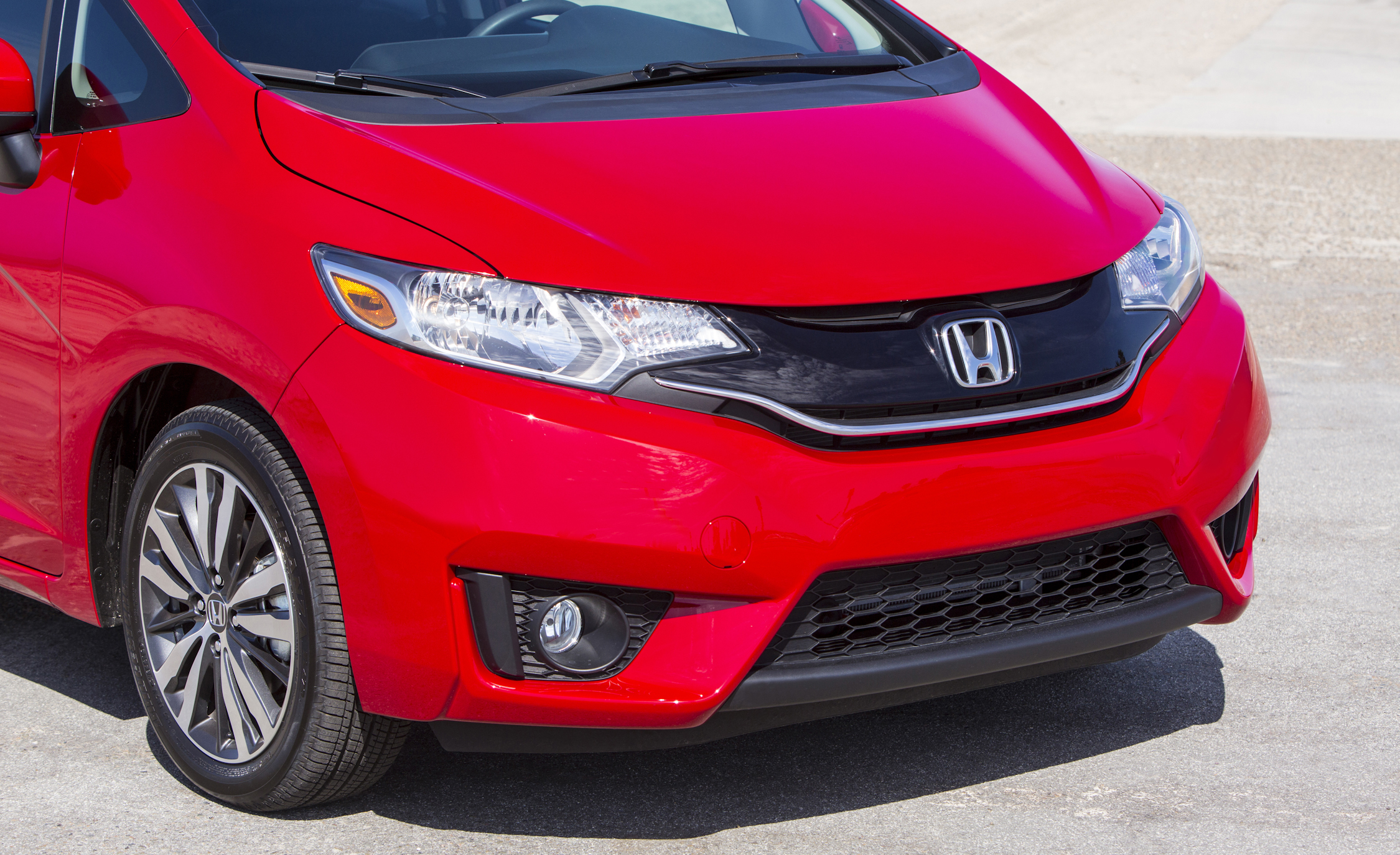 2015 Honda Fit (Photo 7 of 16)