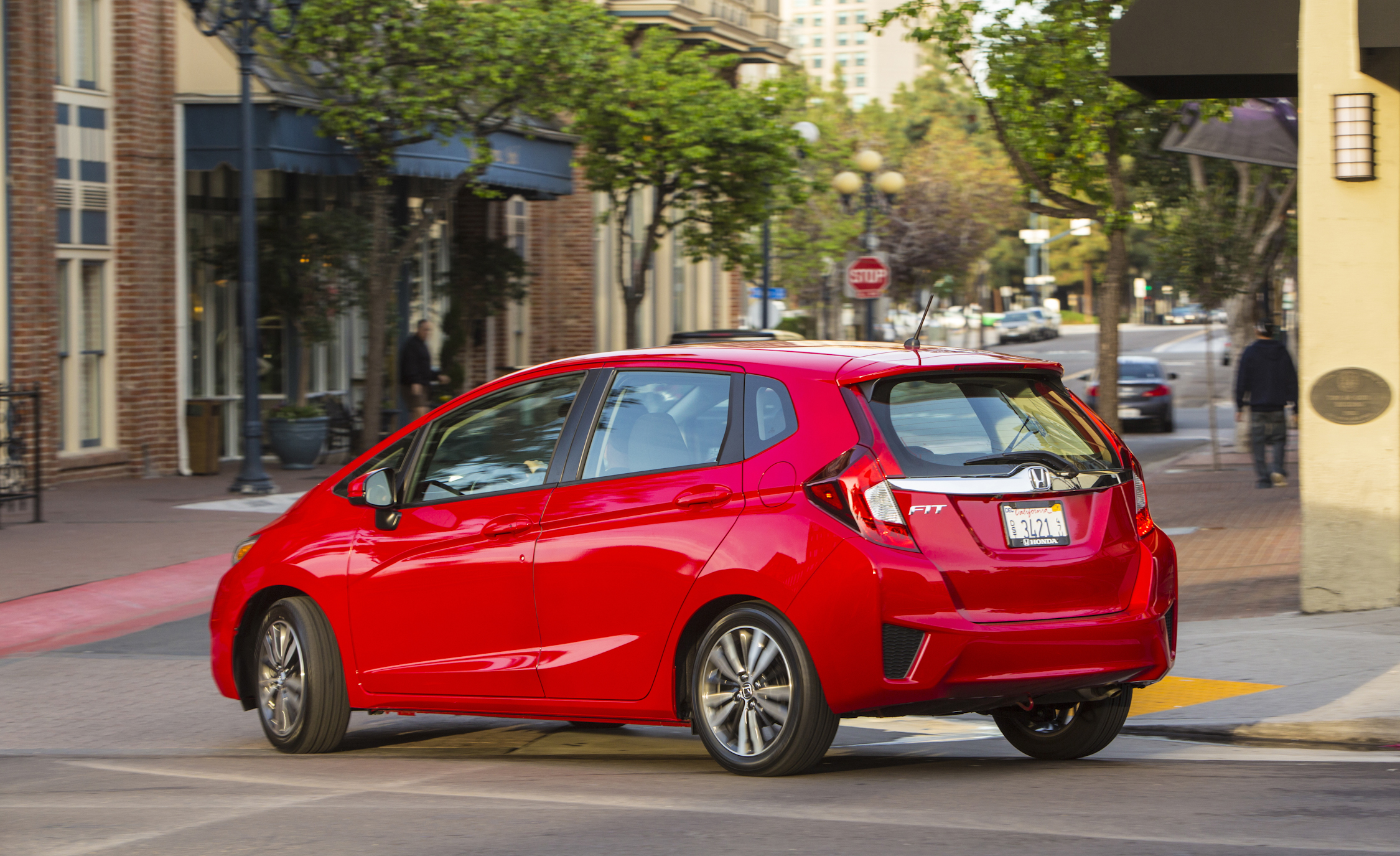 2015 Honda Fit (Photo 2 of 16)