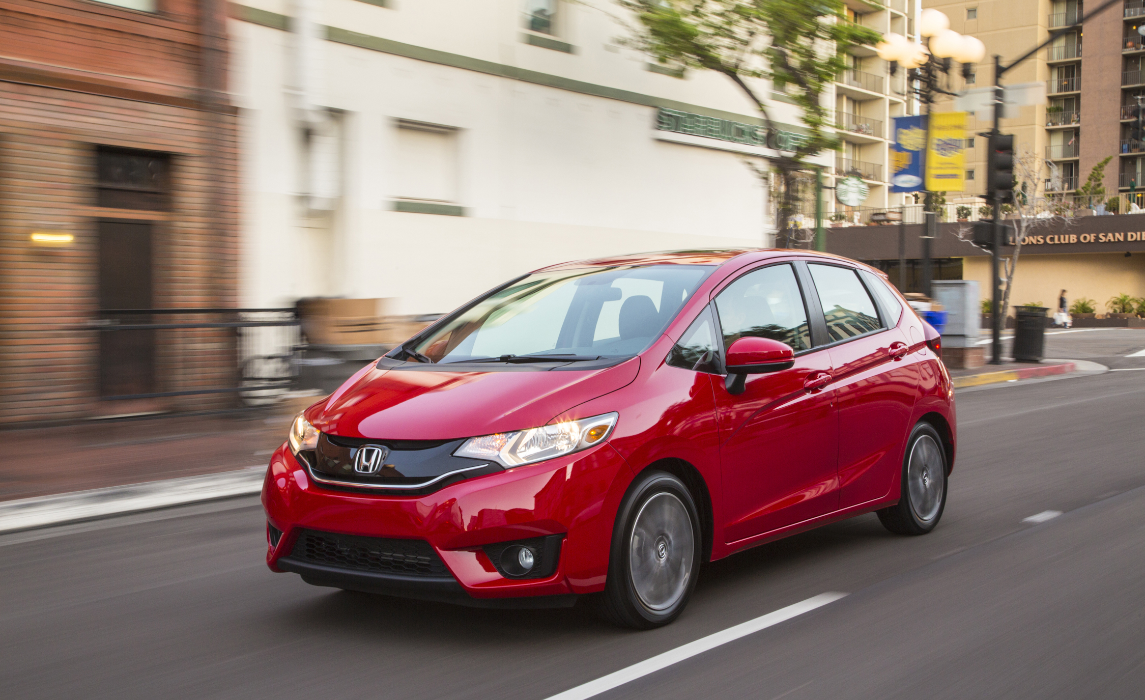 2015 Honda Fit (Photo 5 of 16)