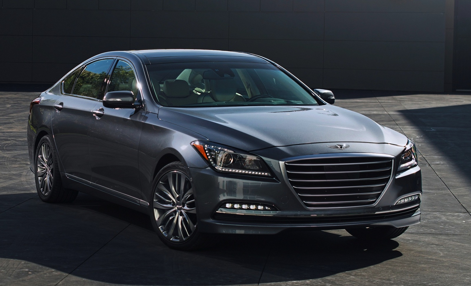 Featured Image of 2015 Hyundai Genesis