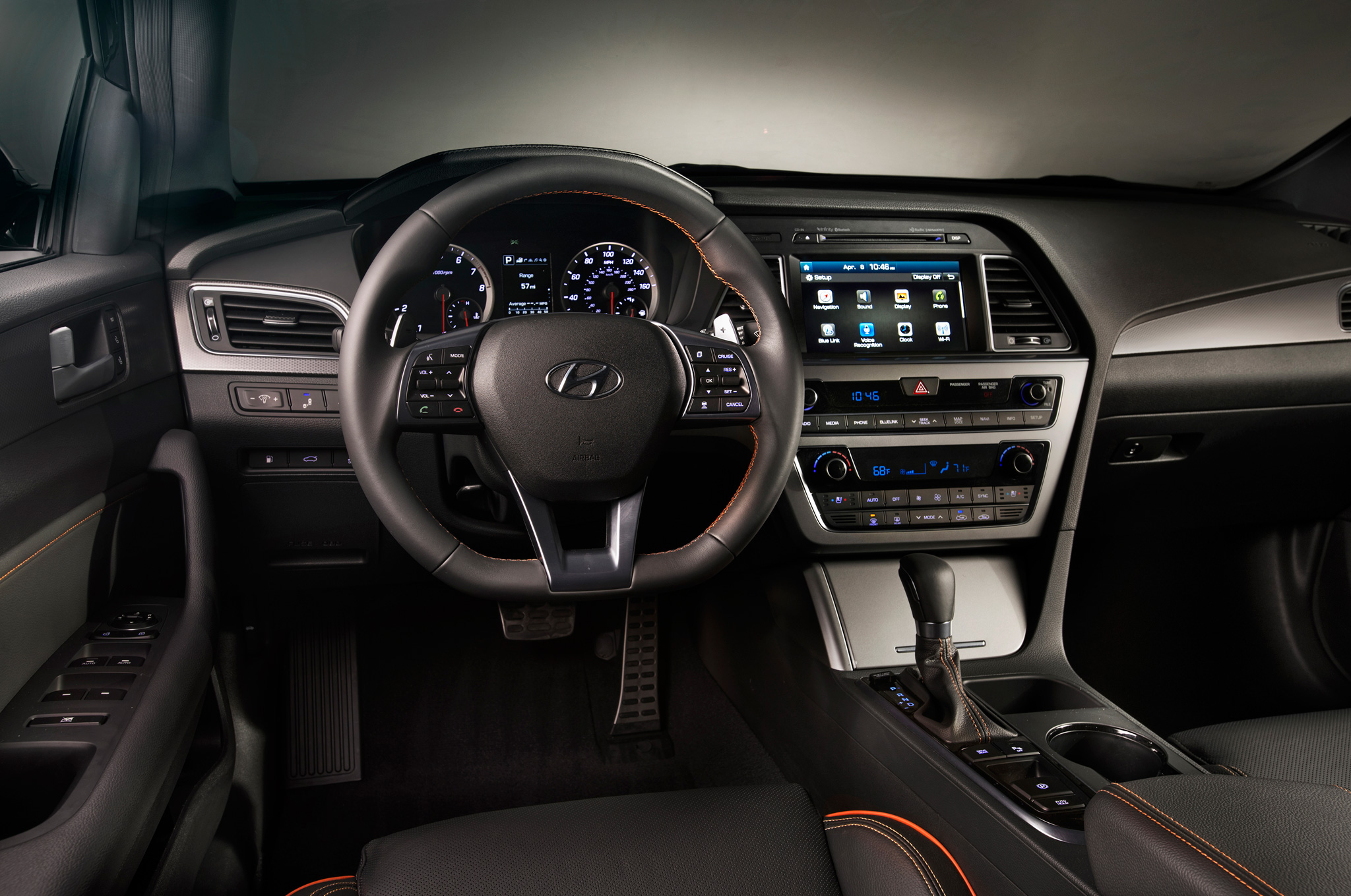 2015 Hyundai Sonata Dashboard And Cockpit (Photo 3 of 11)