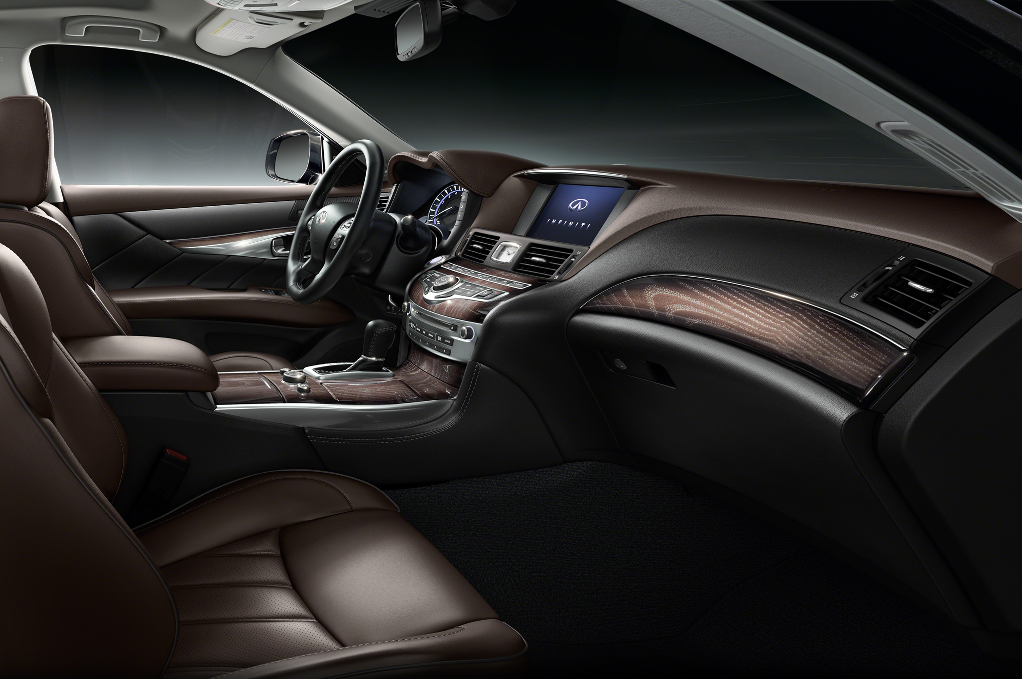 2015 Infiniti Q70l Cockpit And Front Interior (View 5 of 10)