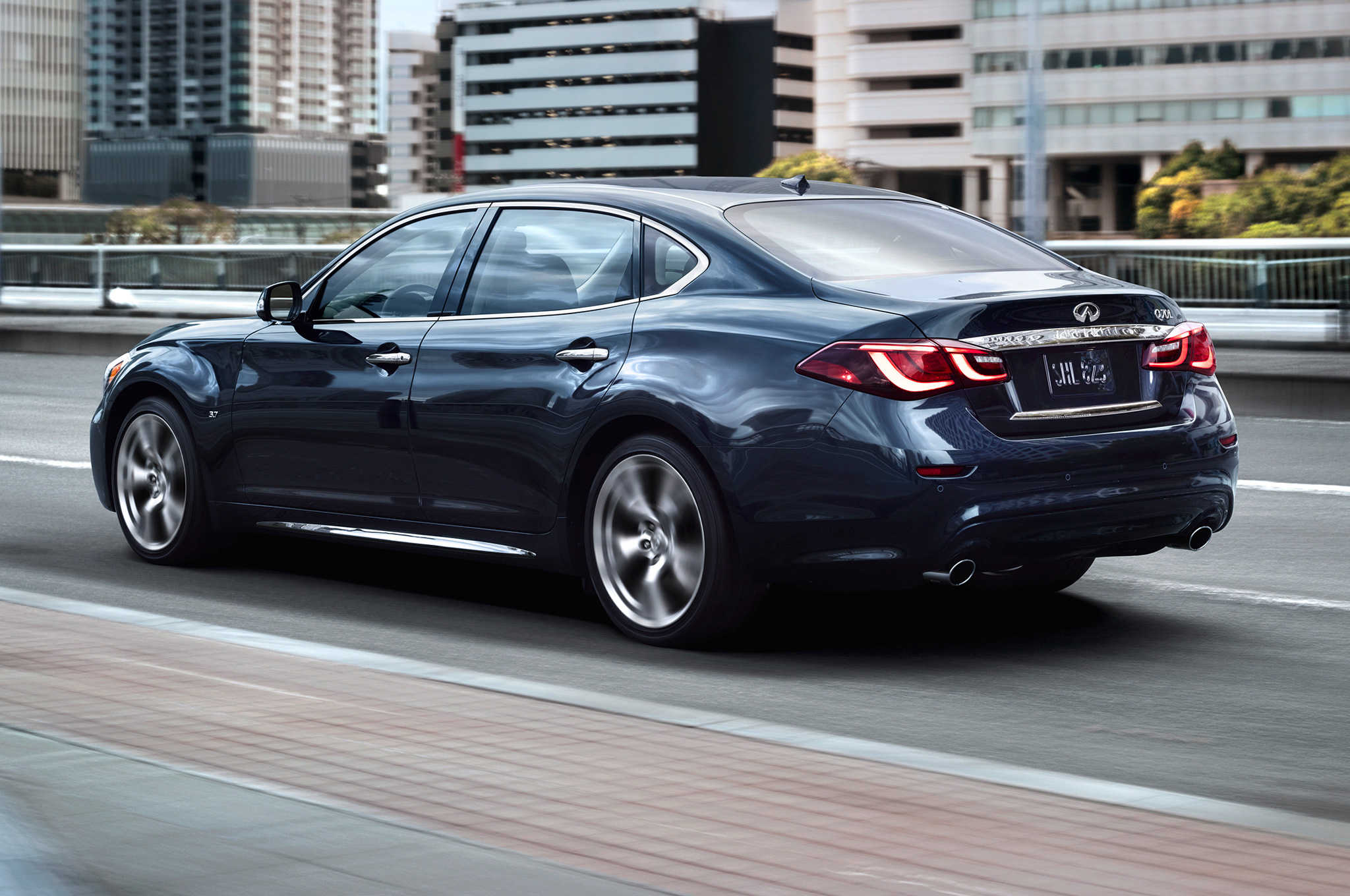 2015 Infiniti Q70l Rear Side Exterior (View 2 of 10)