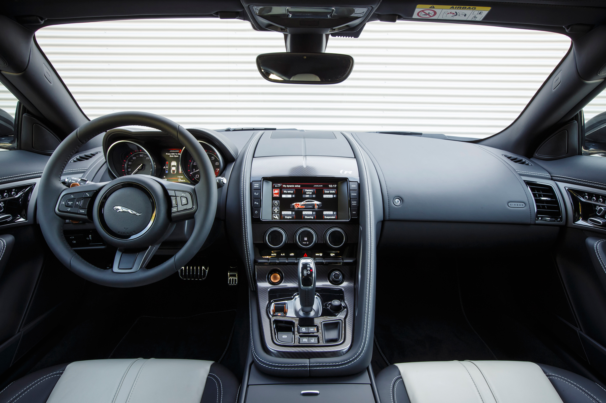 2015 Jaguar F Type Coupe Dashboard Interior (Photo 20 of 26)