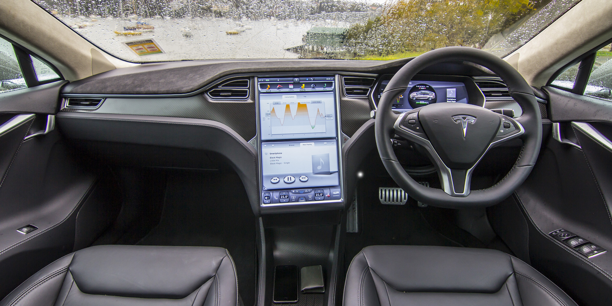 2015 Tesla Model S P85d Dashboard And Head Unit Interior (Photo 25 of 37)