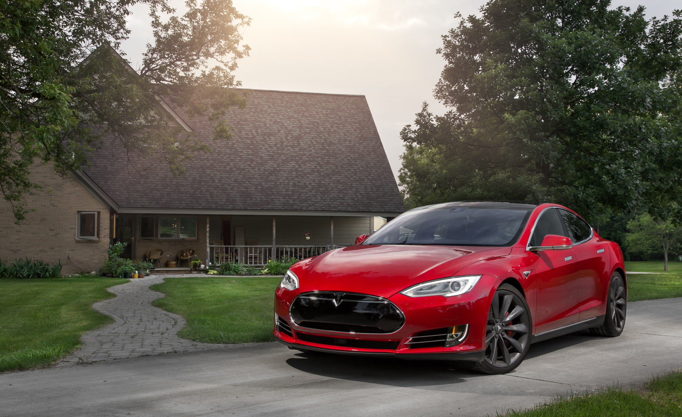 2015 Tesla Model S P85D (View 23 of 37)