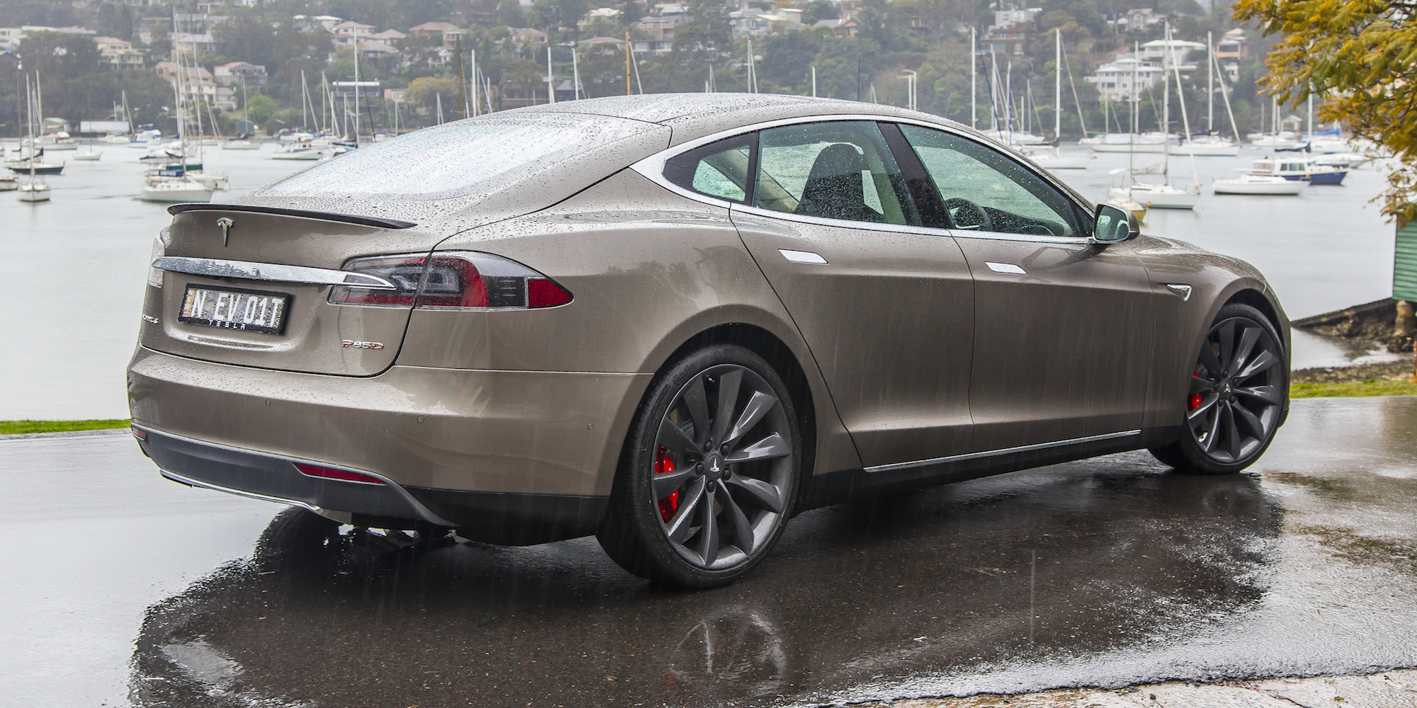 2015 Tesla Model S P85d First Sight (Photo 26 of 37)